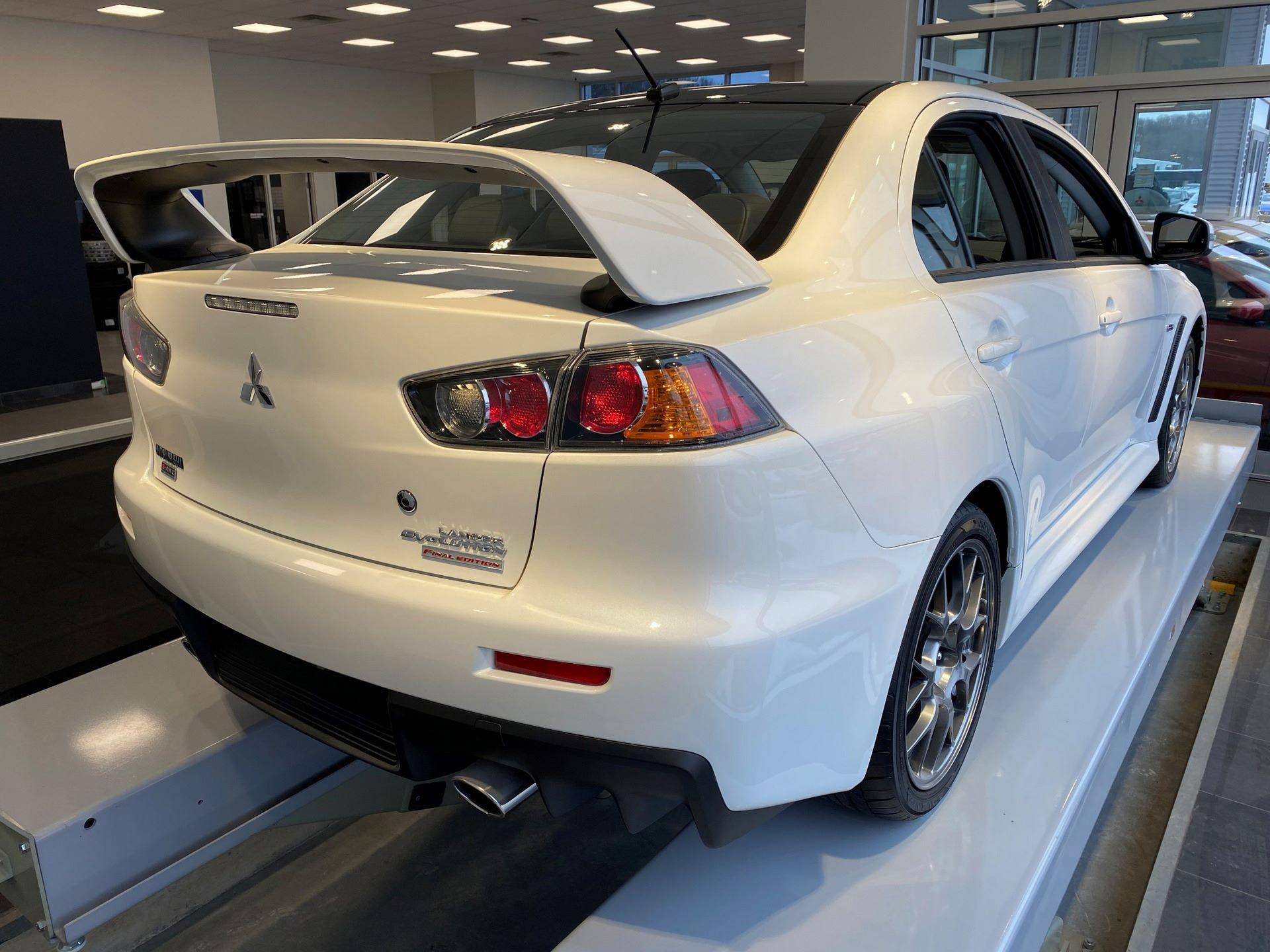 Mitsubishi-Lancer-Evo-Final-Edition-for-sale-5