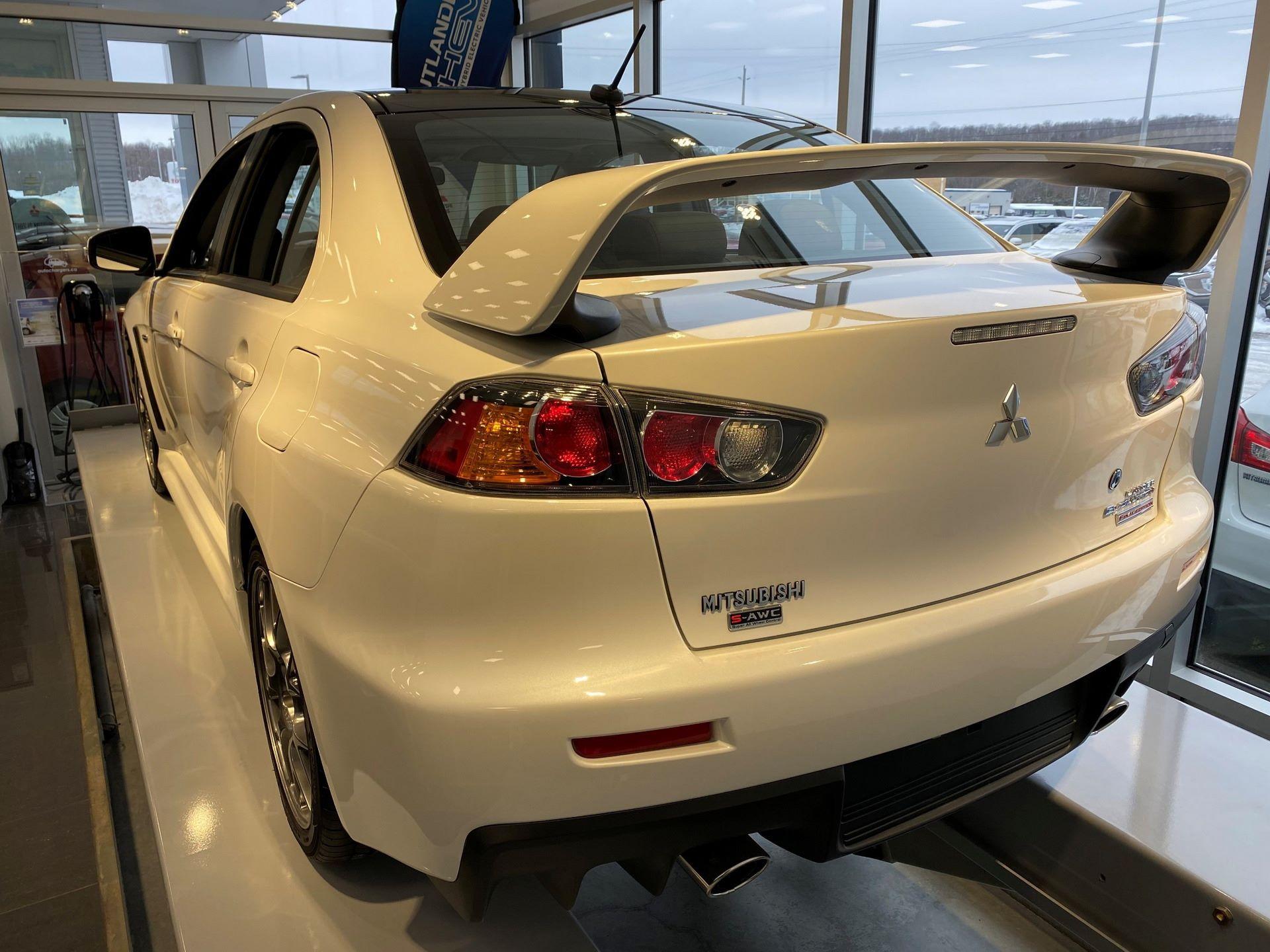 Mitsubishi-Lancer-Evo-Final-Edition-for-sale-9