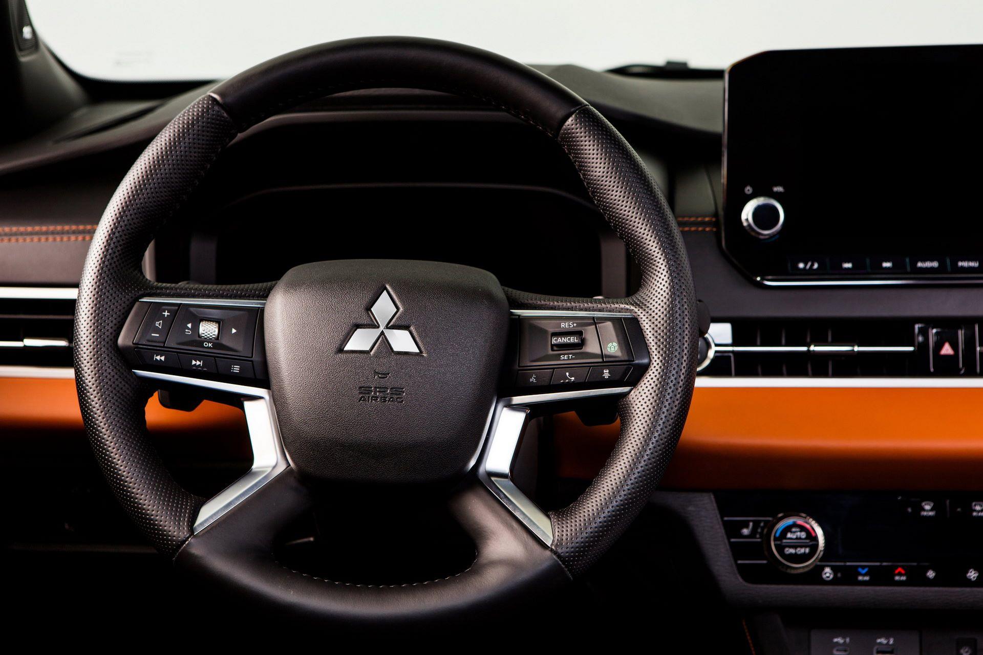 Mitsubishi-Outlander-2021-37