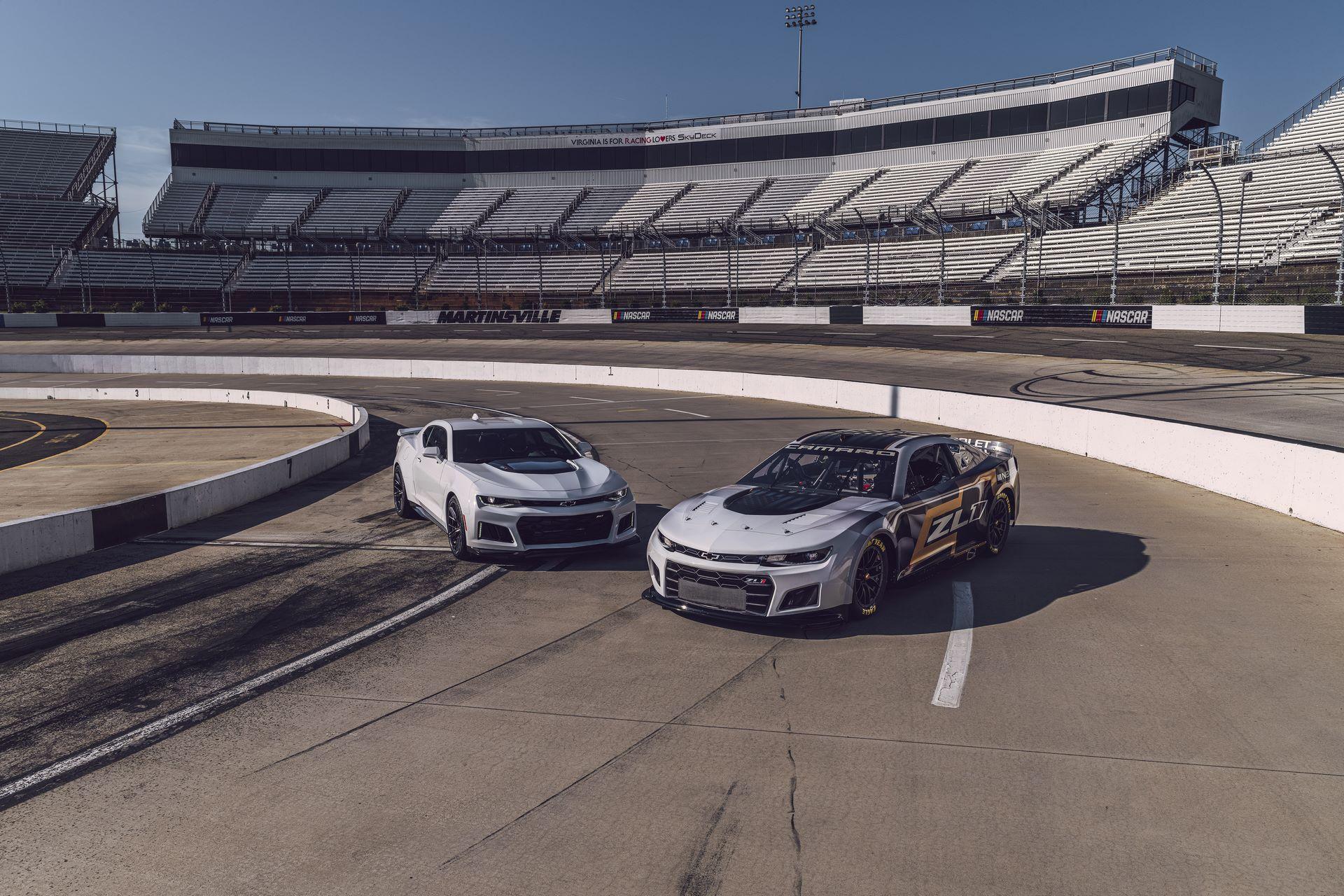 Chevrolet-Camaro-ZL1-RaceCarr-Next-Gen-Nascar-1