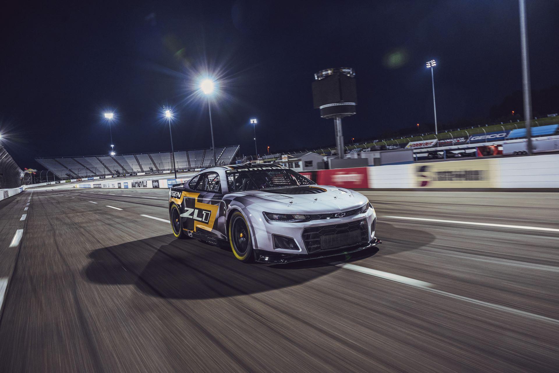 Chevrolet-Camaro-ZL1-RaceCarr-Next-Gen-Nascar-2