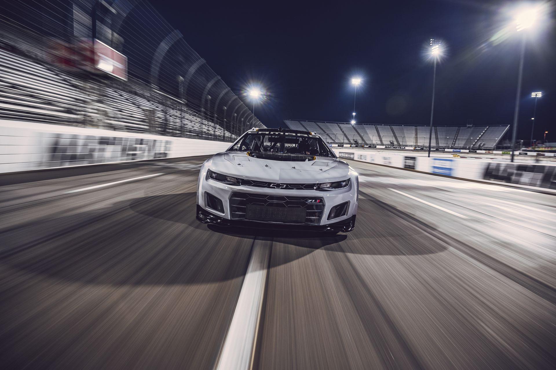Chevrolet-Camaro-ZL1-RaceCarr-Next-Gen-Nascar-3