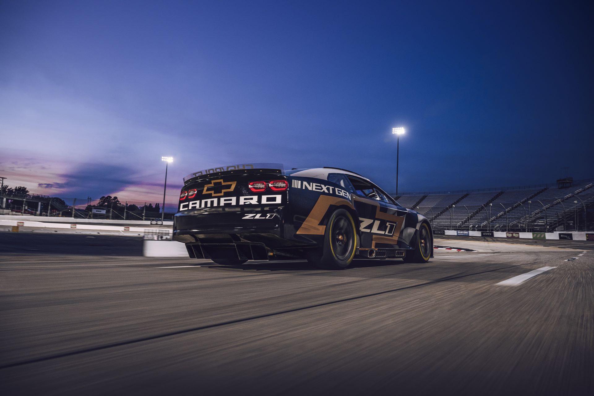 Chevrolet-Camaro-ZL1-RaceCarr-Next-Gen-Nascar-4