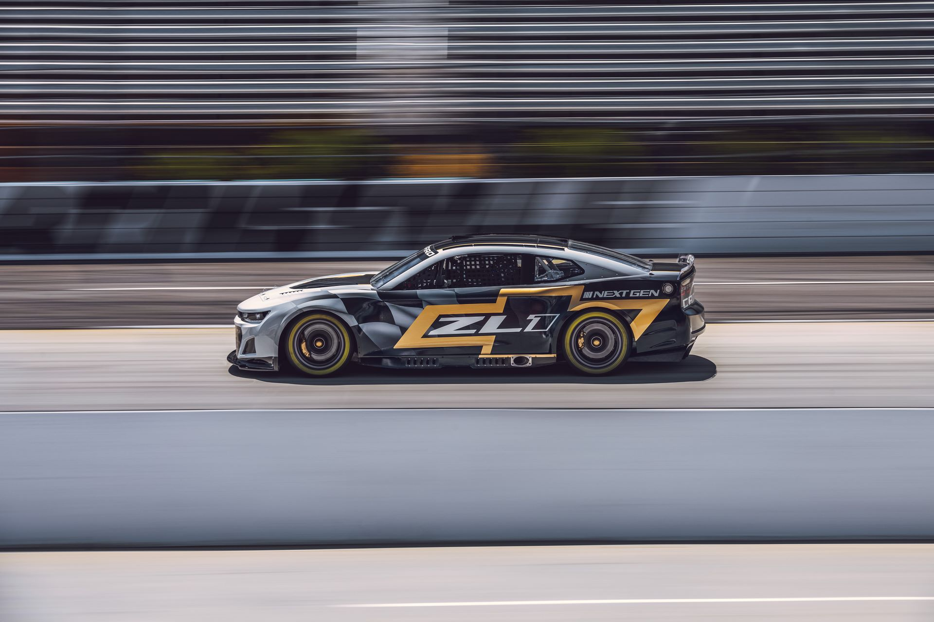 Chevrolet-Camaro-ZL1-RaceCarr-Next-Gen-Nascar-5