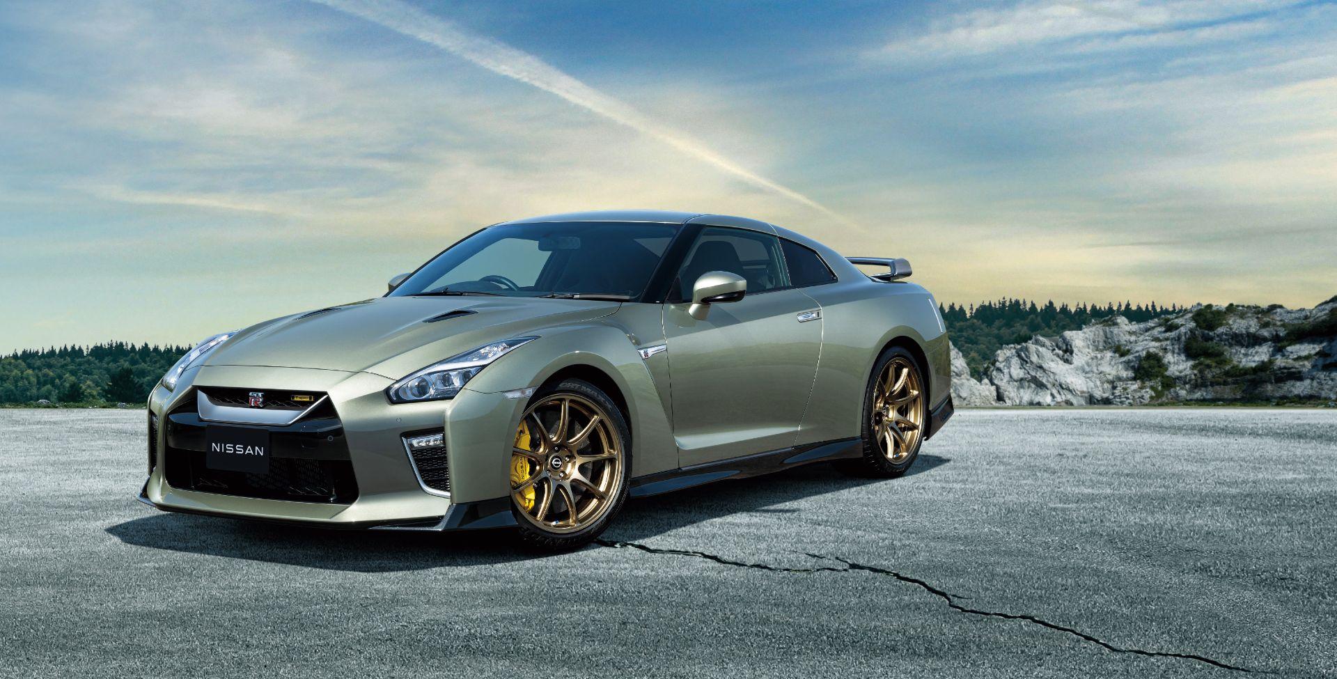 Nissan-GT-R-2021-1
