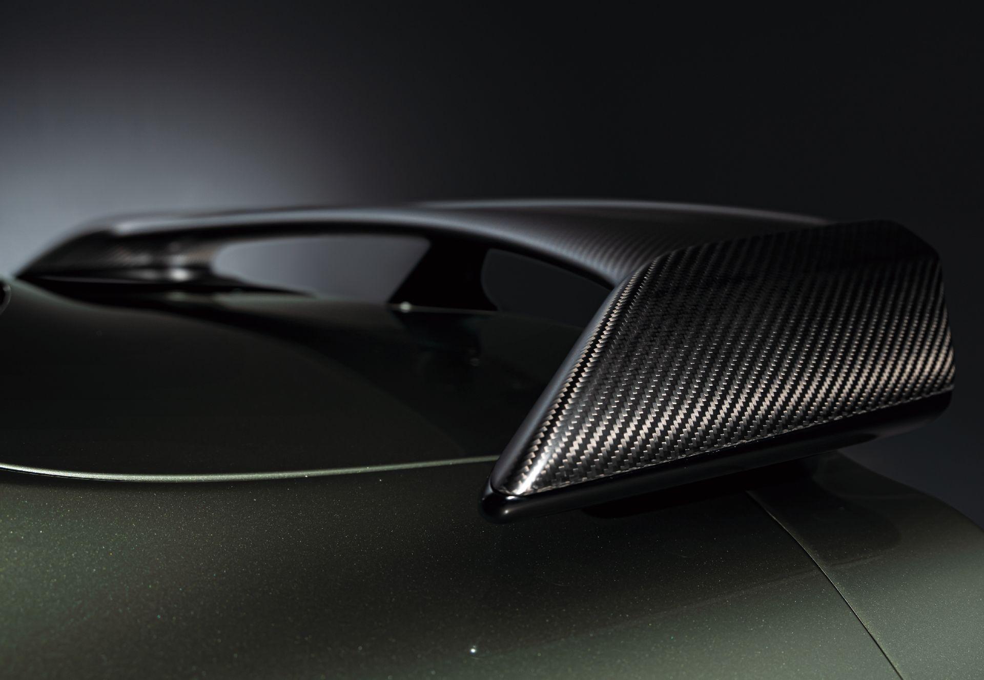 Nissan-GT-R-2021-14