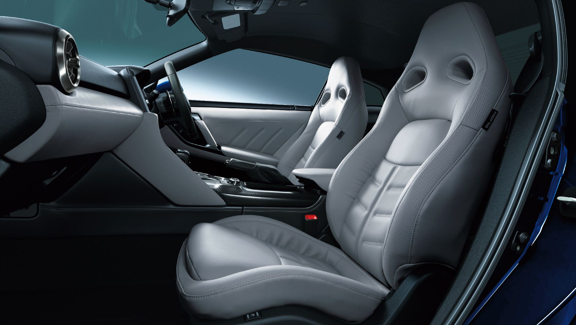 Nissan-GT-R-2021-20