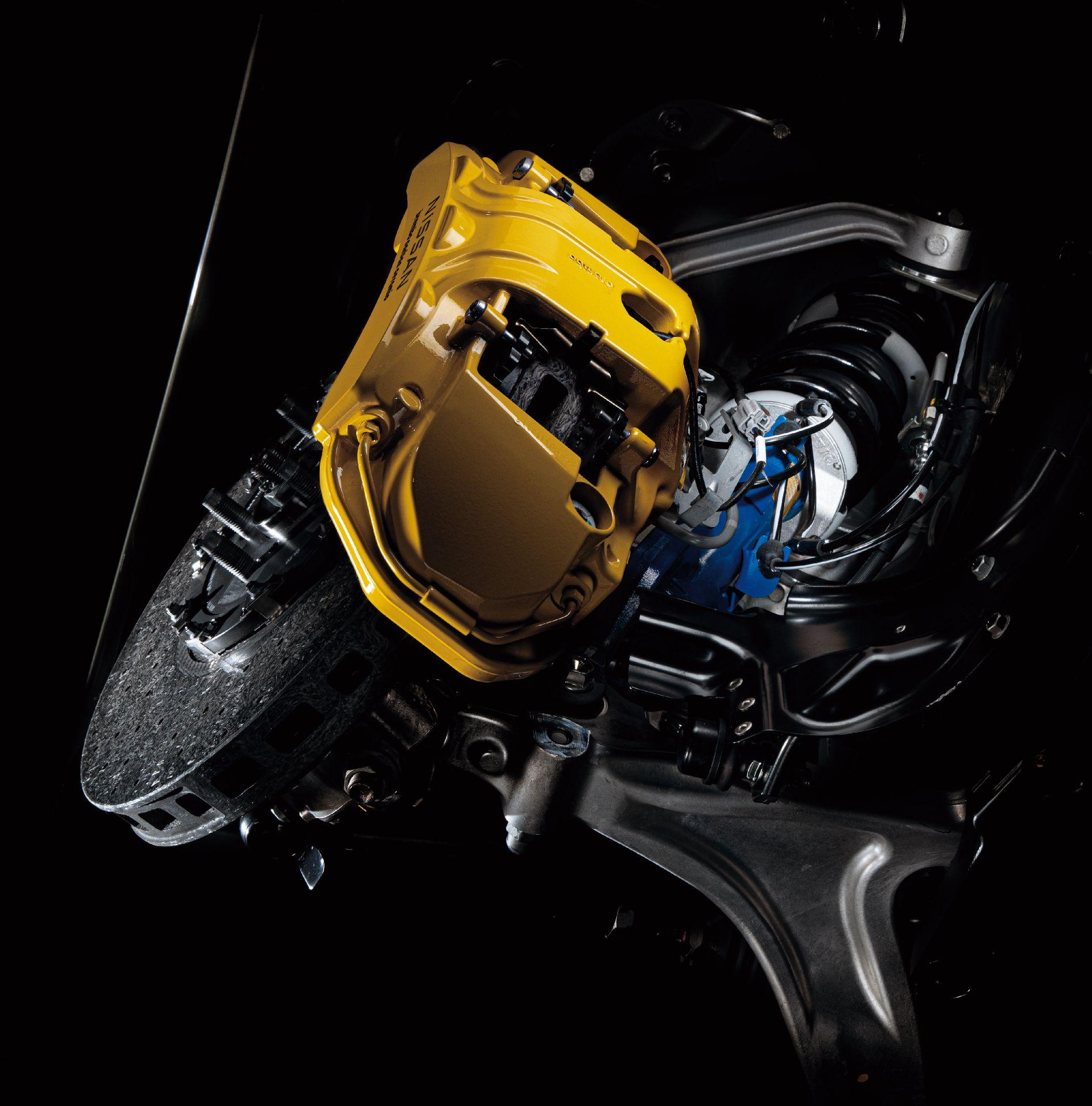 Nissan-GT-R-2021-38