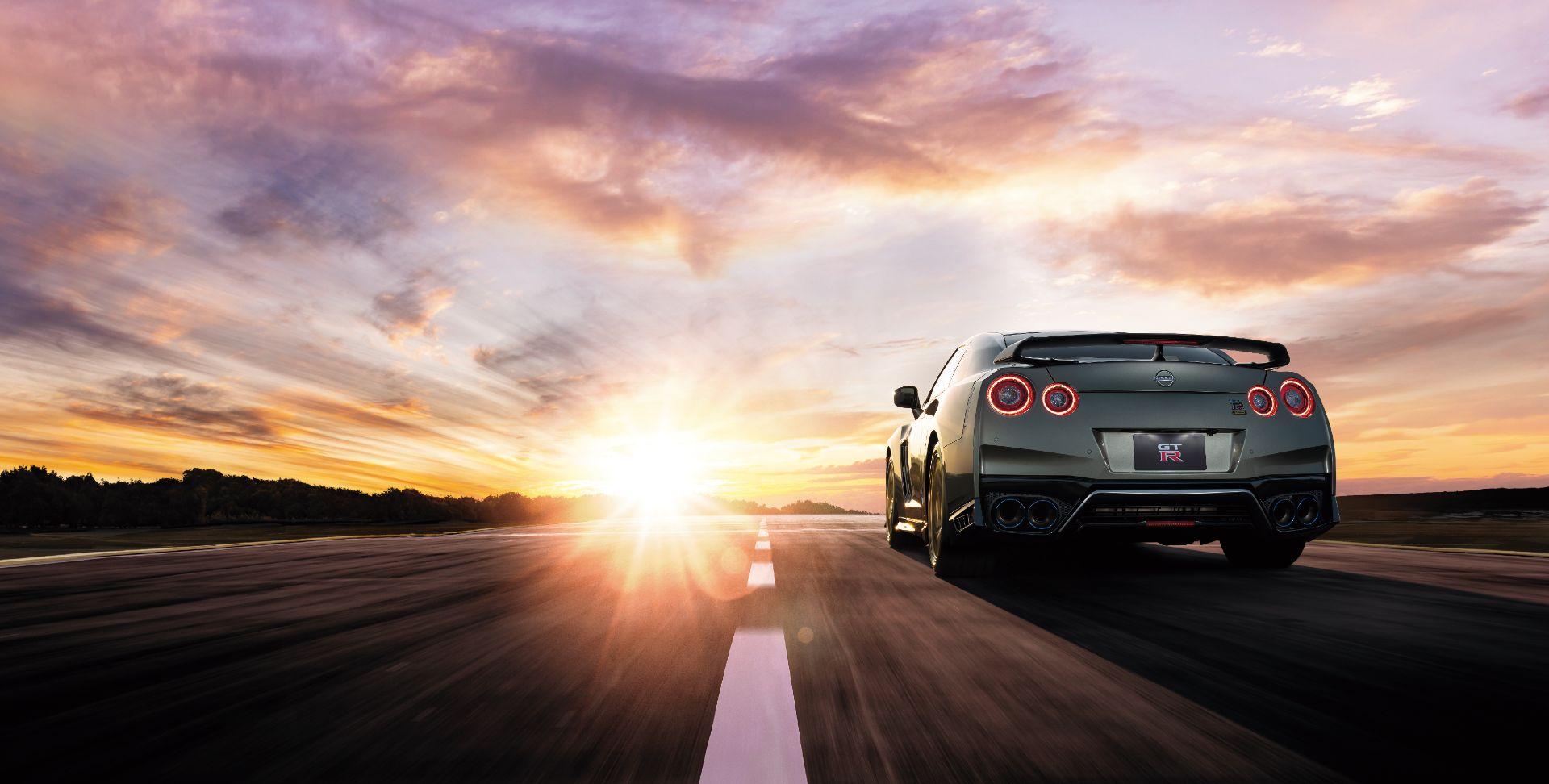 Nissan-GT-R-2021-5