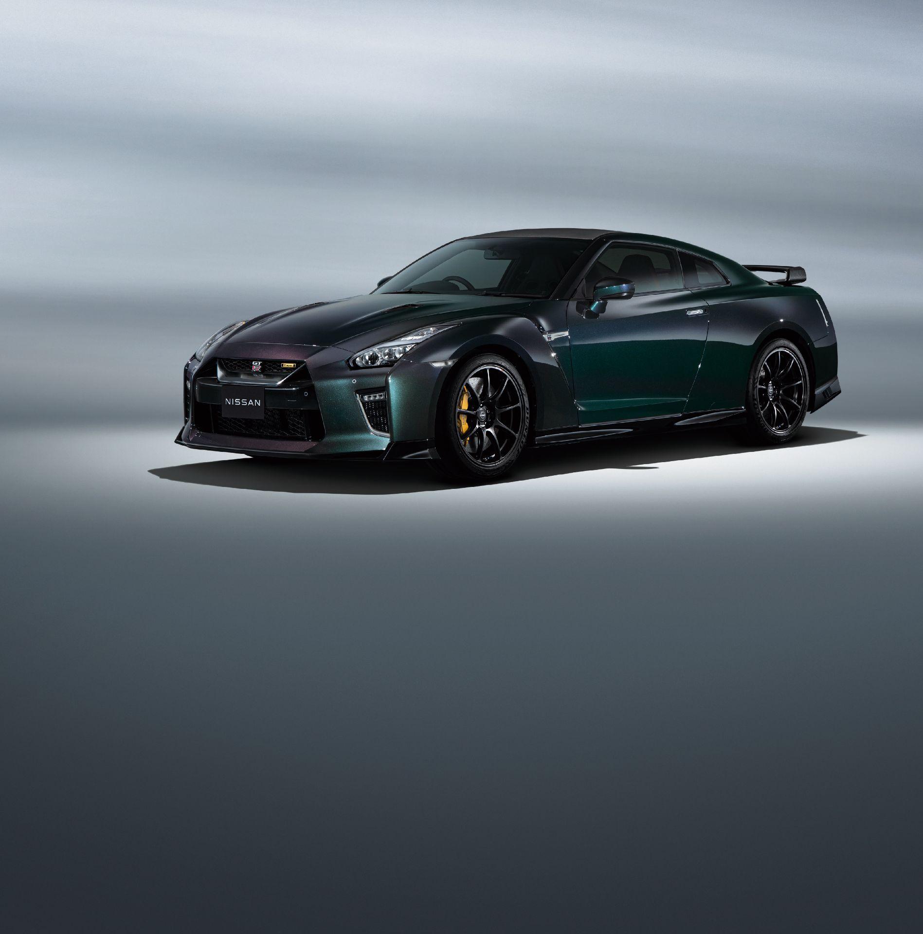 Nissan-GT-R-2021-7