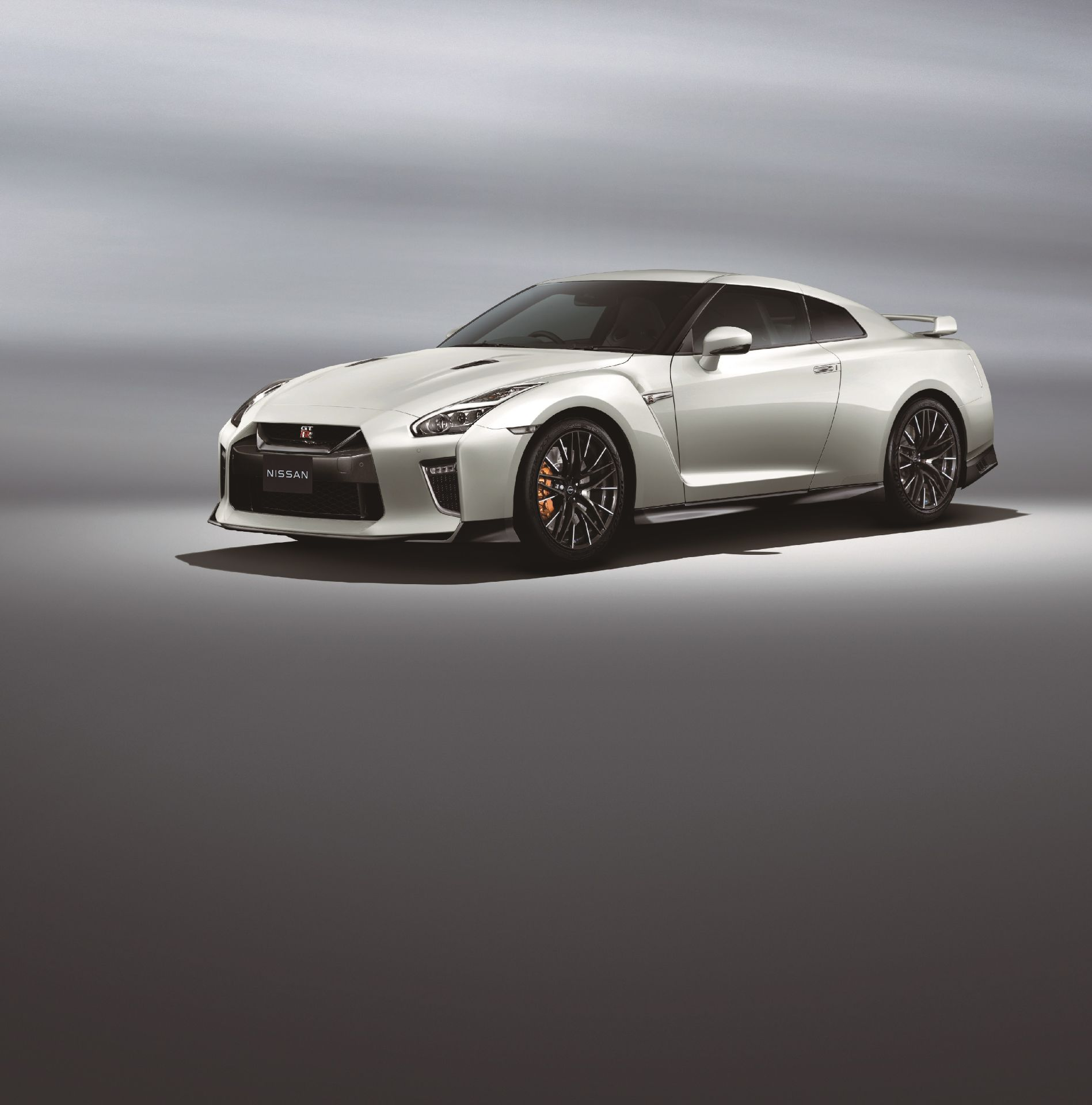 Nissan-GT-R-2021-9