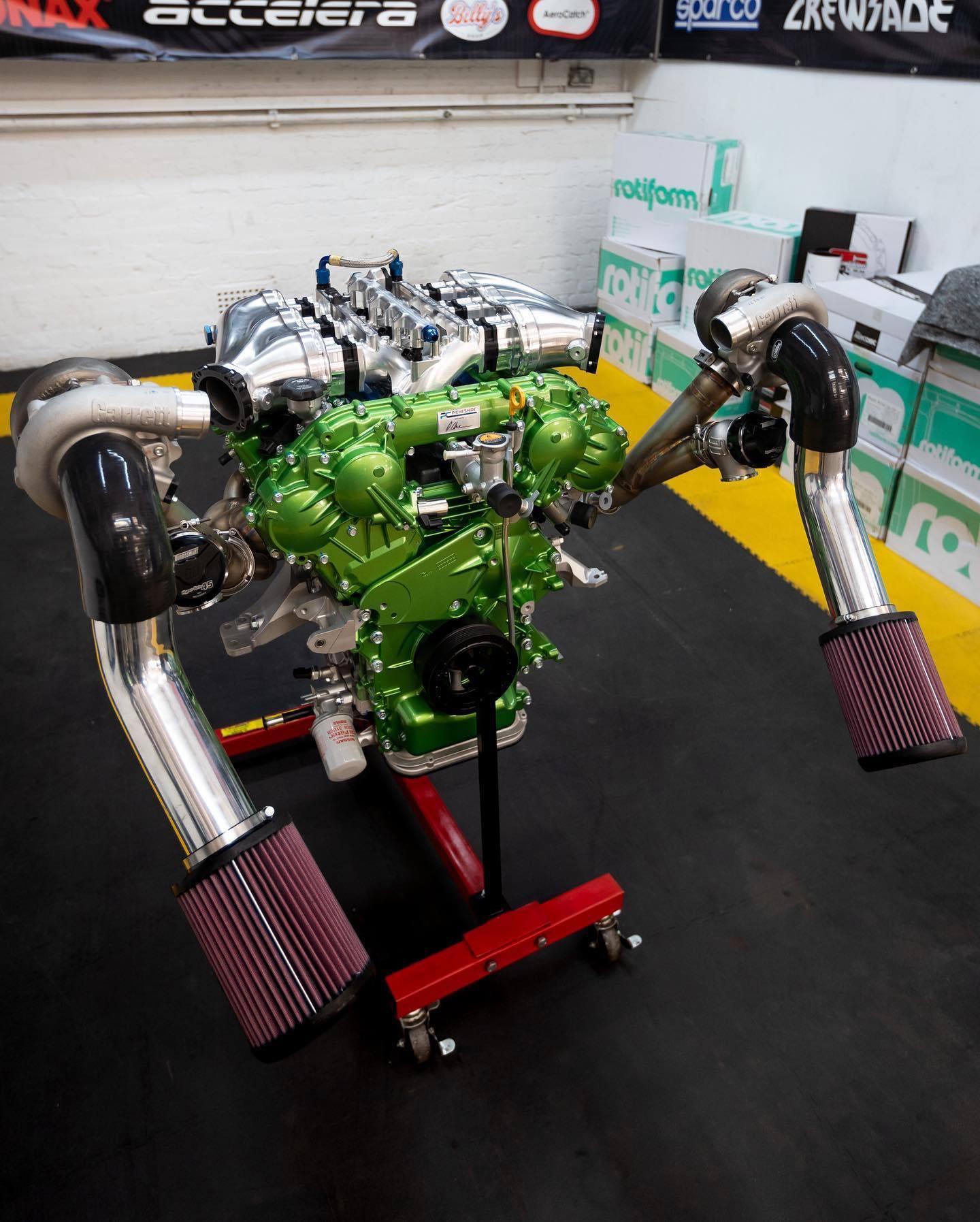 Nissan_Navara-R_engine-0001