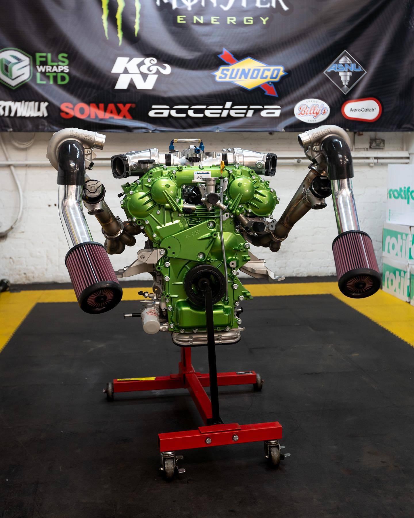 Nissan_Navara-R_engine-0004