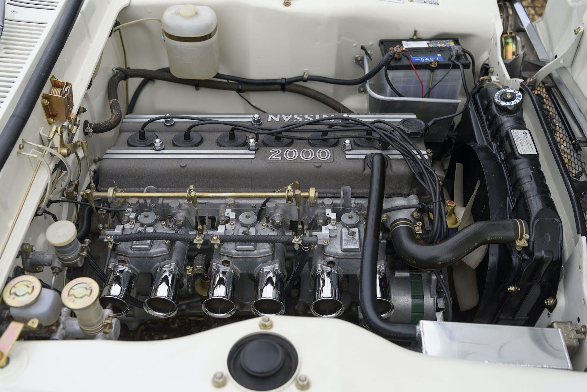 Nissan-Skyline-R32-GT-R-Hakosuka-27