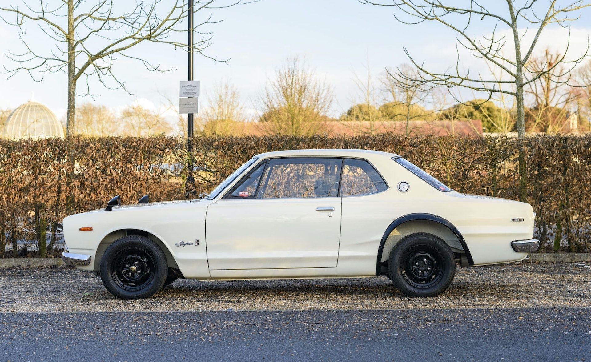 Nissan-Skyline-R32-GT-R-Hakosuka-3