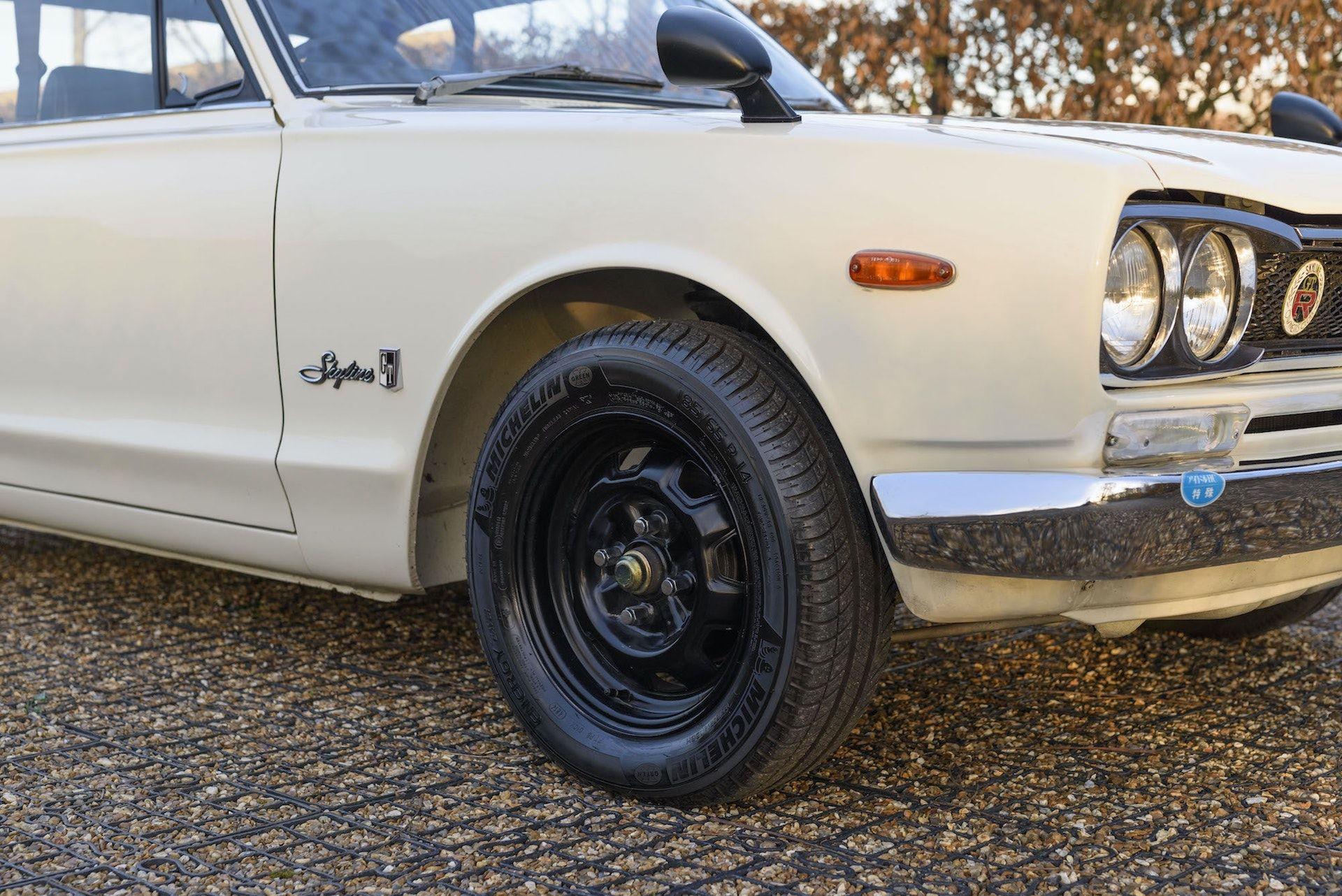 Nissan-Skyline-R32-GT-R-Hakosuka-8