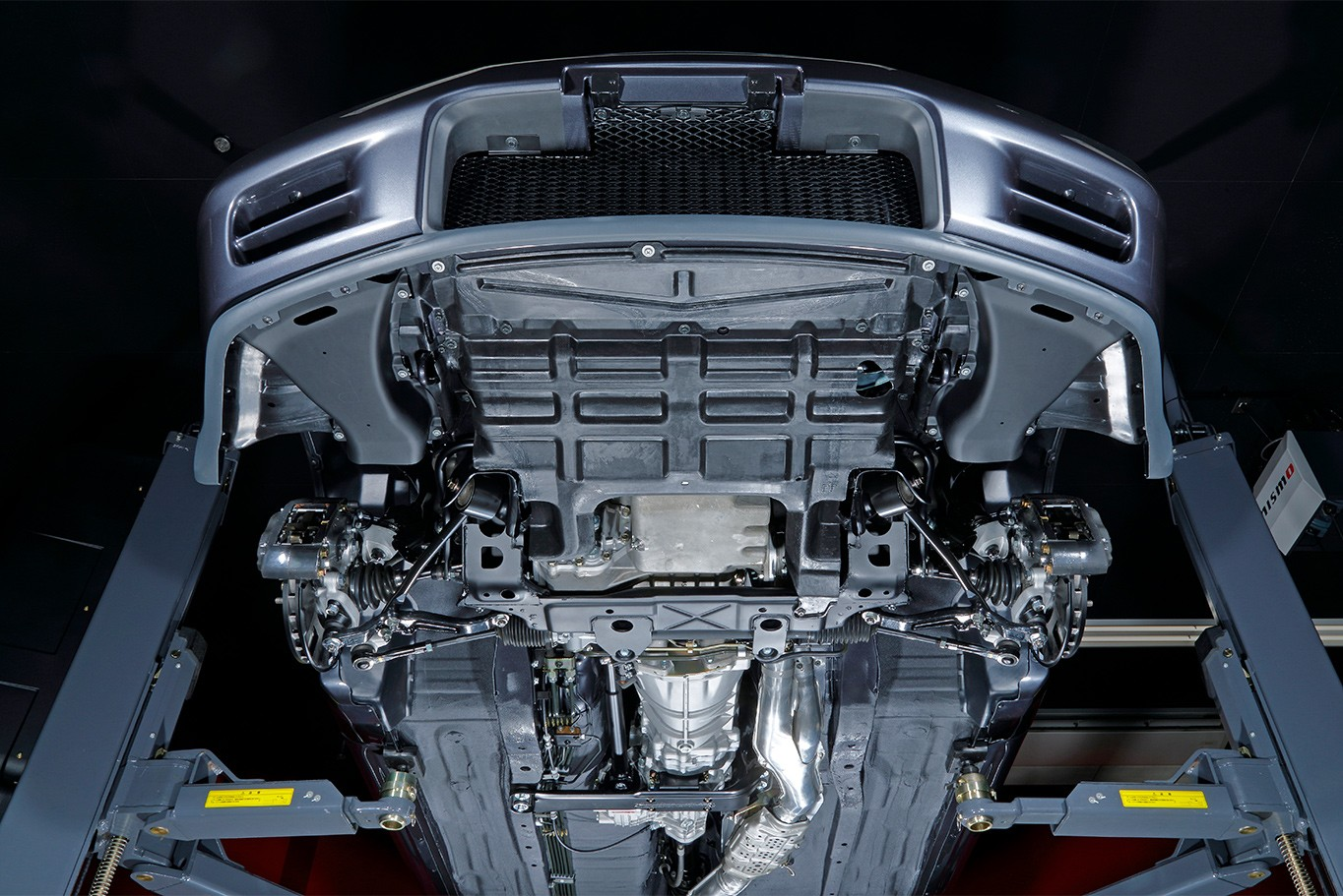 Nissan-Skyline-R32-GT-R-Nismo-restored-7