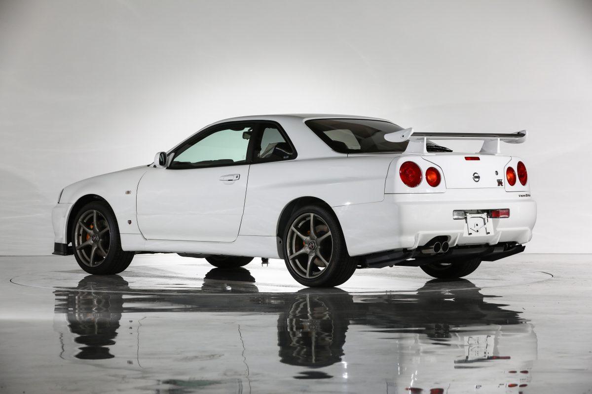 Nissan-Skyline-R34-V-Spec-II-Nur-auction-2