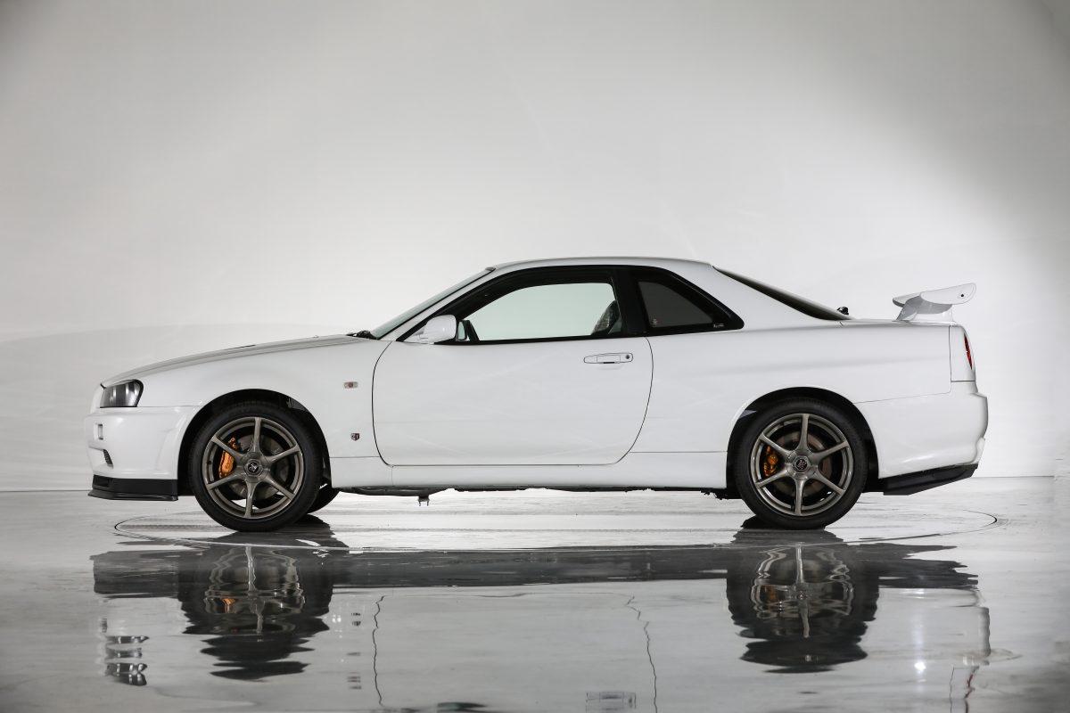 Nissan-Skyline-R34-V-Spec-II-Nur-auction-3
