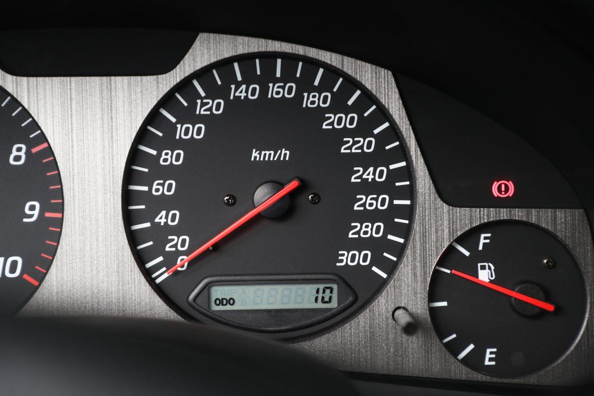 Nissan-Skyline-R34-V-Spec-II-Nur-auction-6