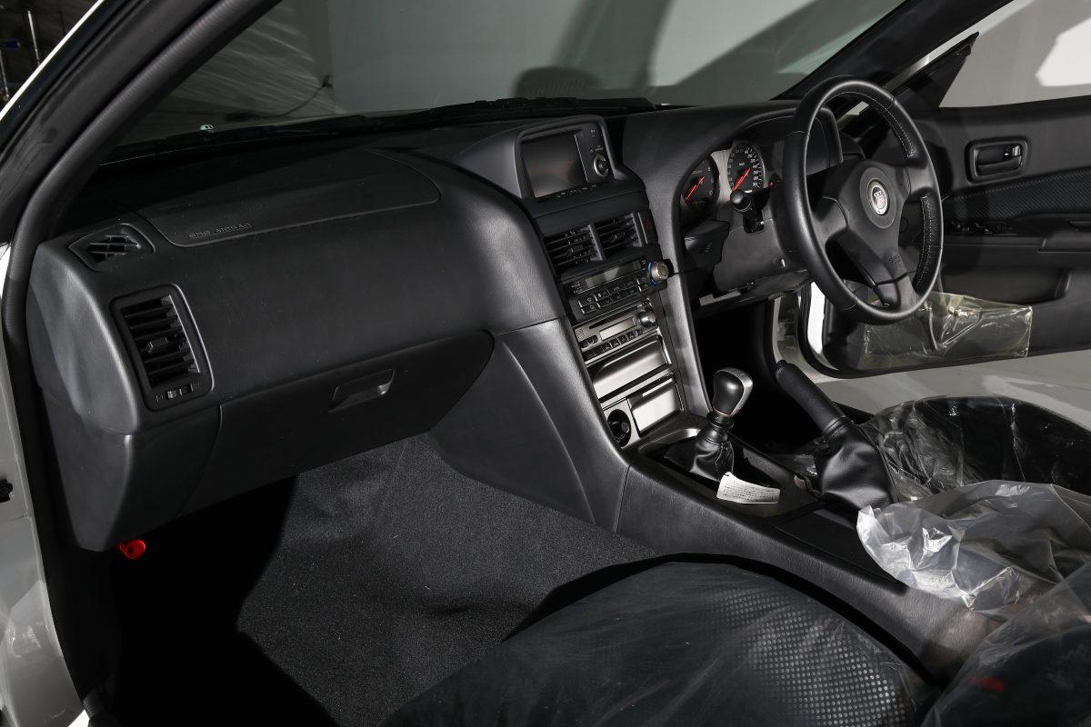 Nissan-Skyline-R34-V-Spec-II-Nur-auction-8