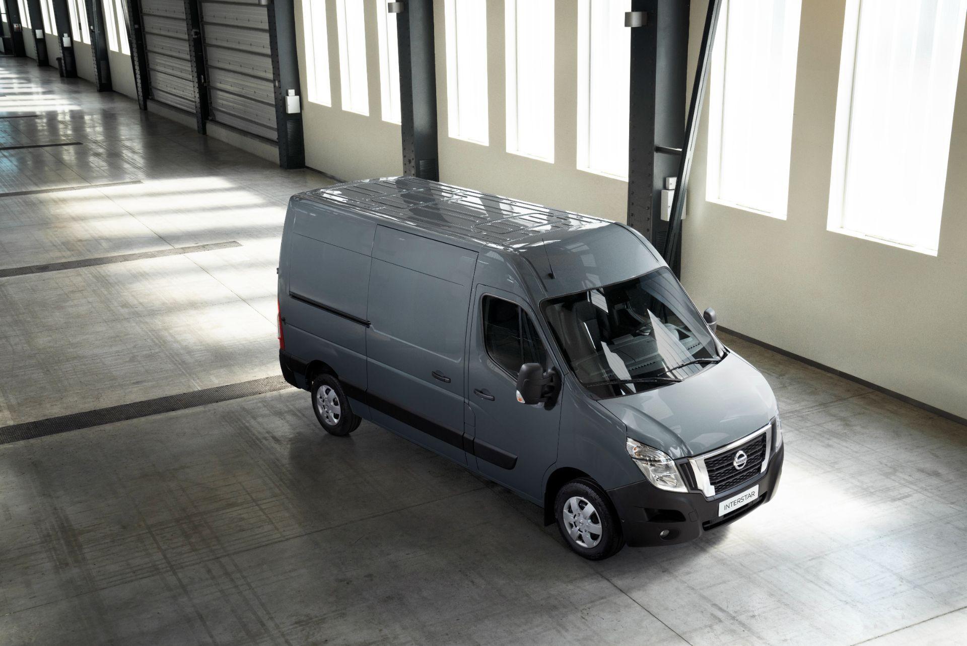 2022-Nissan-Interstar-Van-2