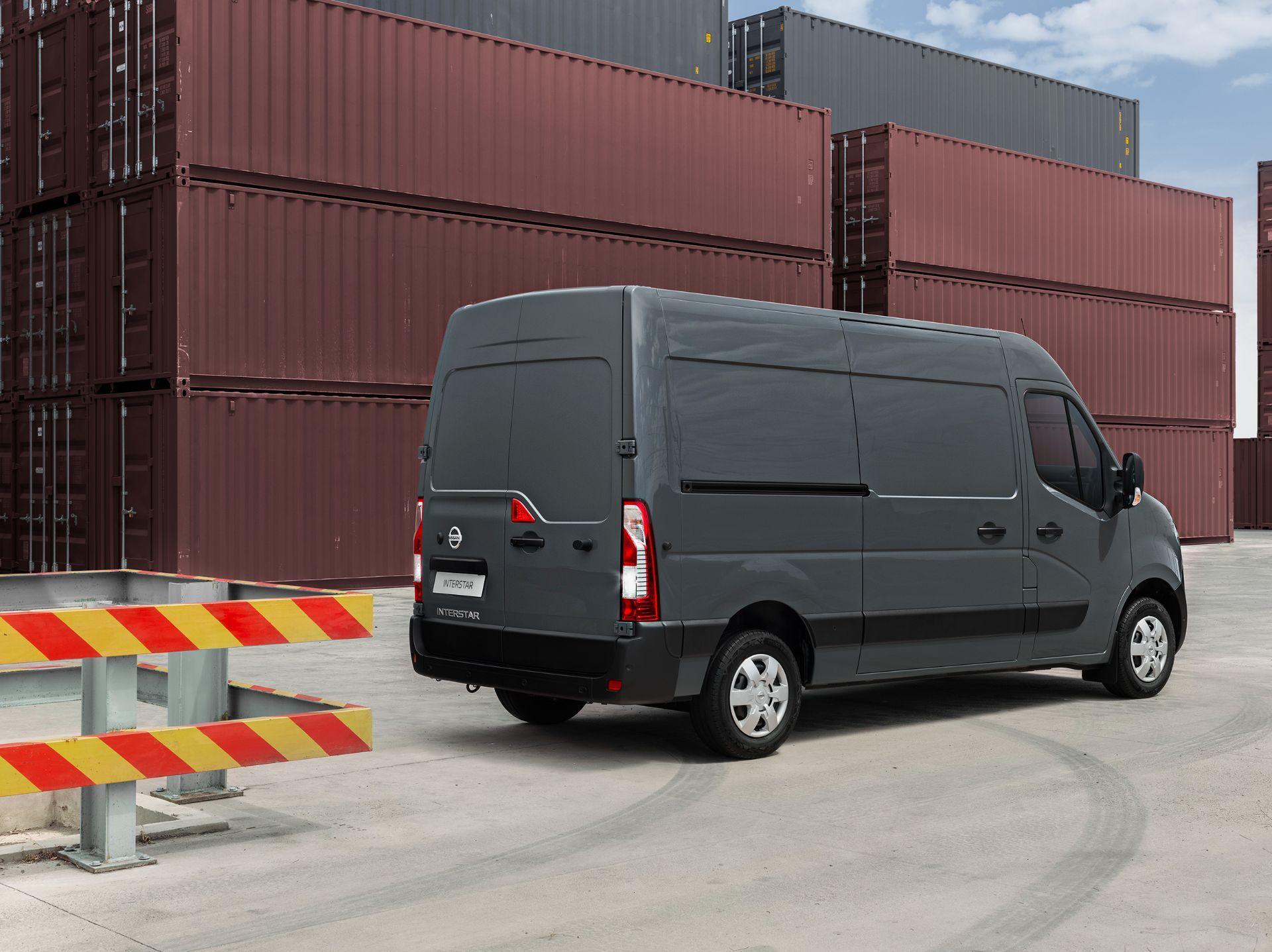 2022-Nissan-Interstar-Van-3