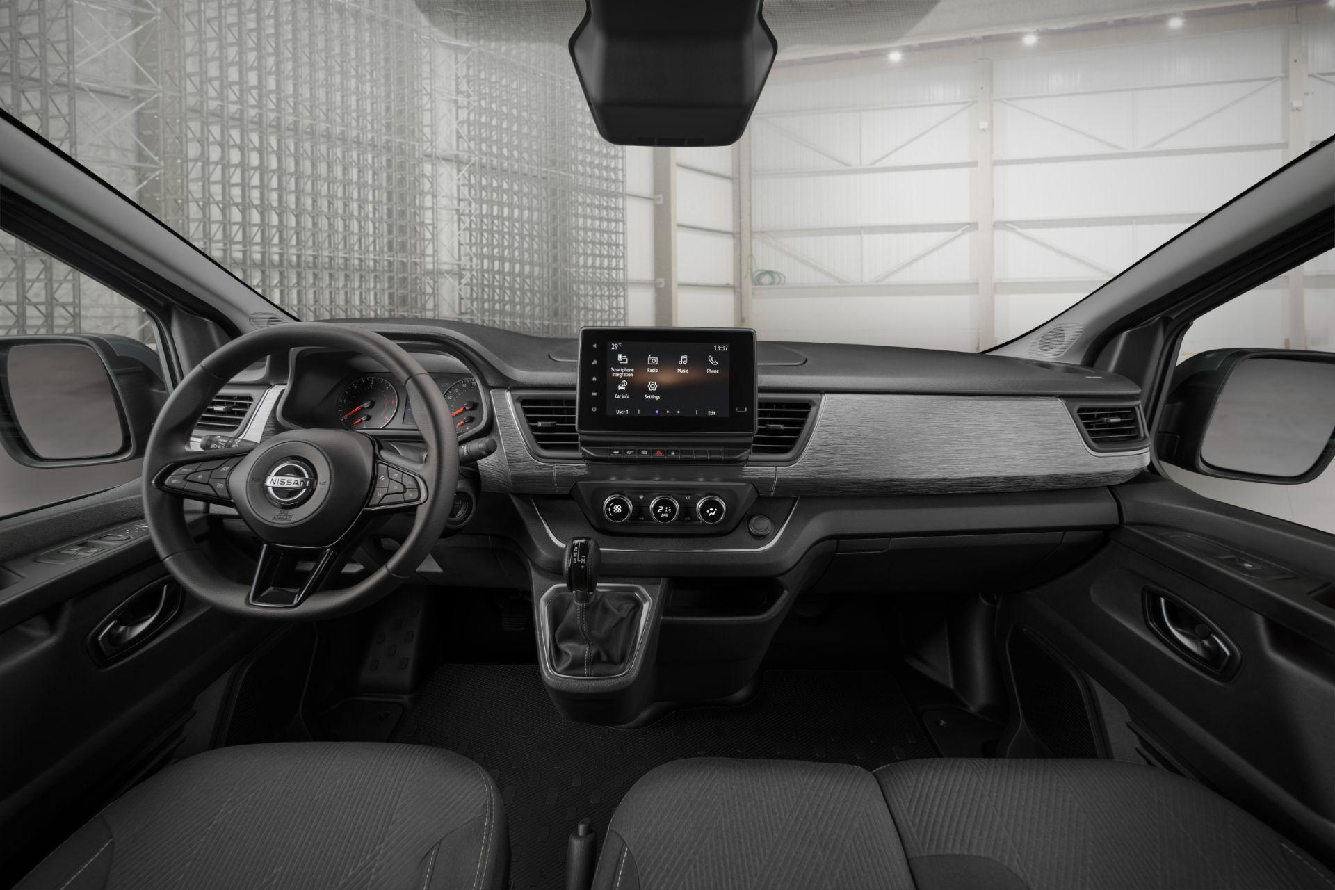 2022-Nissan-Primastar-Van-10