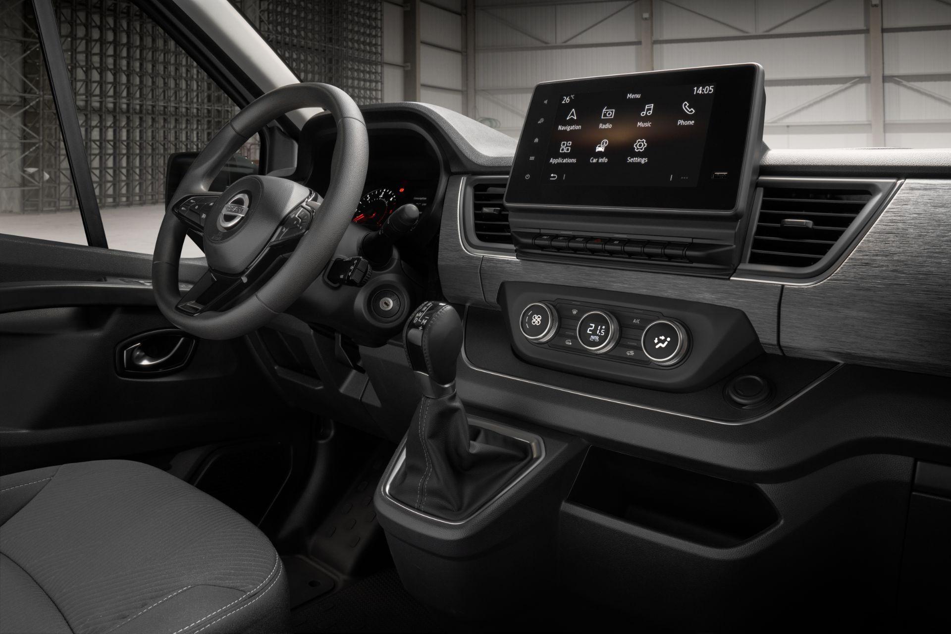 2022-Nissan-Primastar-Van-11