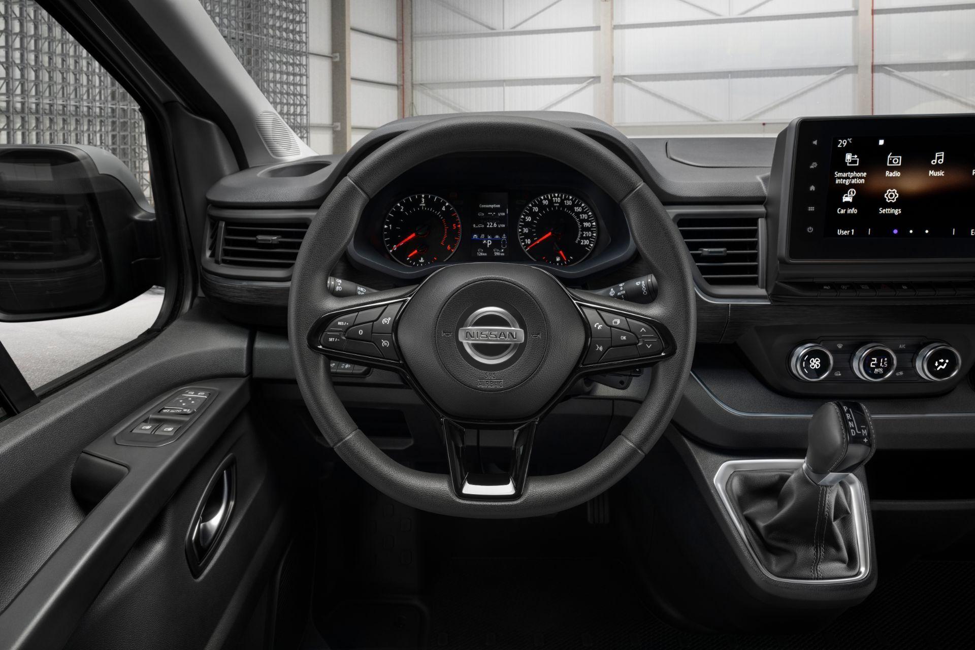 2022-Nissan-Primastar-Van-12