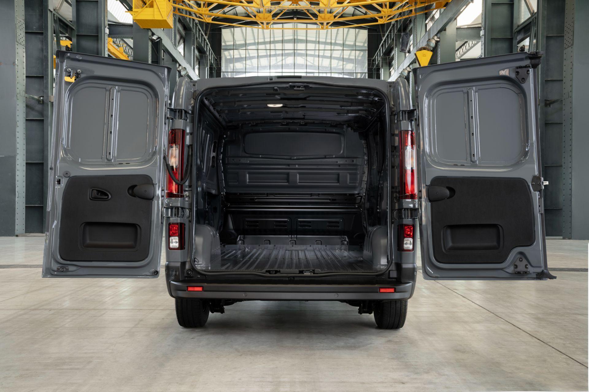 2022-Nissan-Primastar-Van-6-1