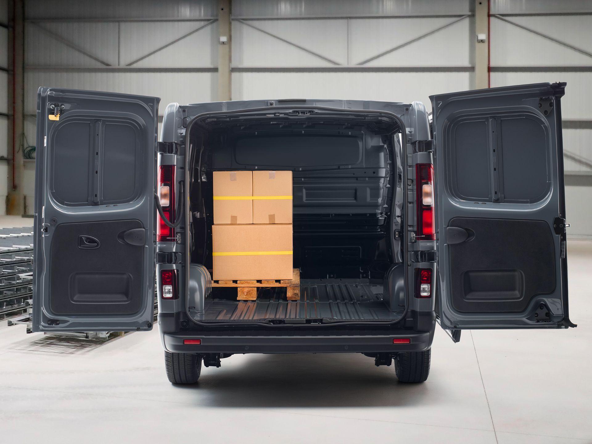 2022-Nissan-Primastar-Van-9-1