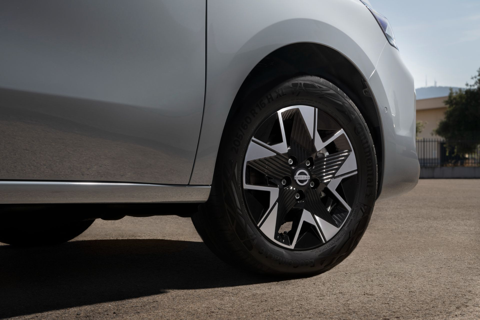2022-Nissan-Townstar-petrol-van-dynamic-25