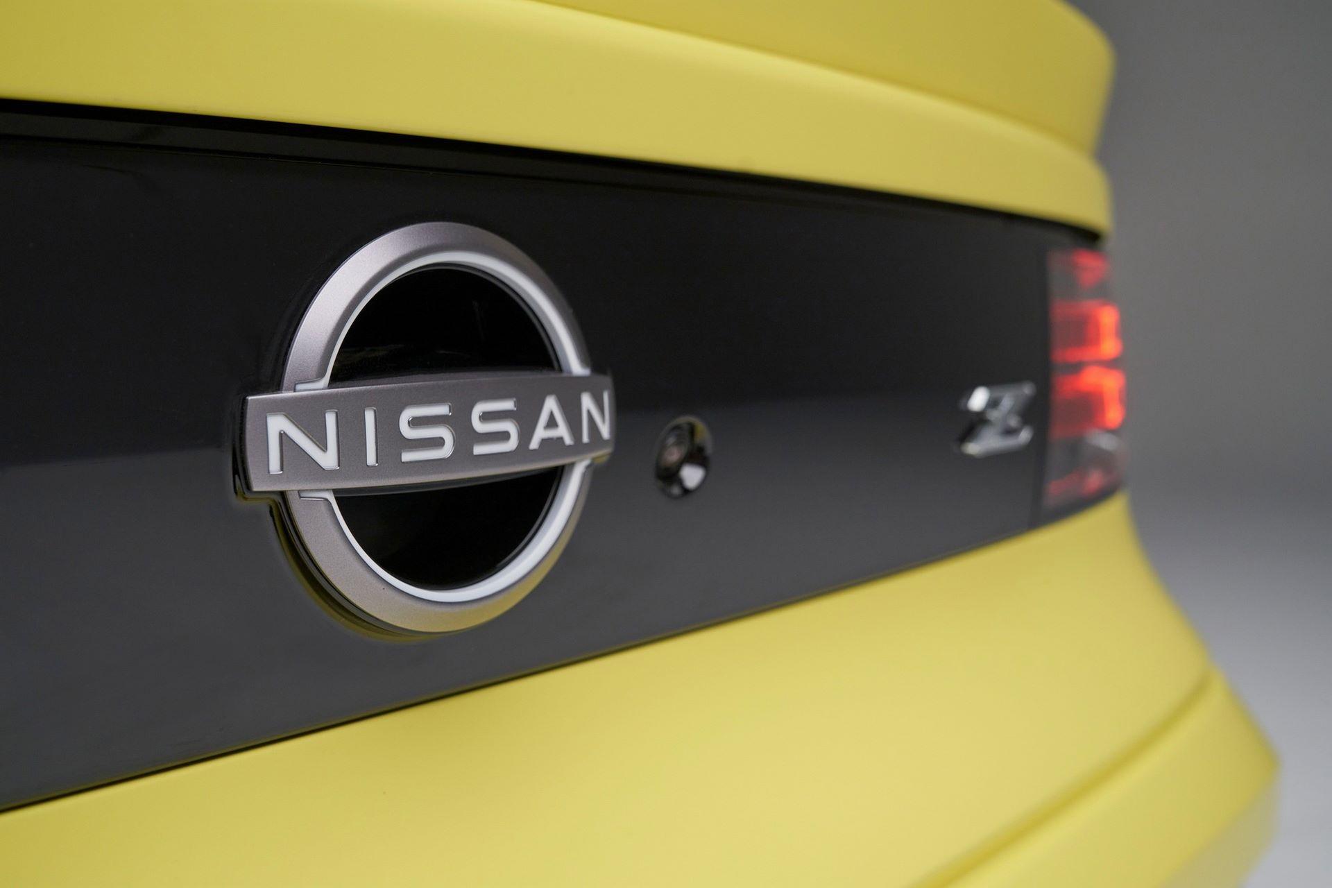 Nissan-Z-71