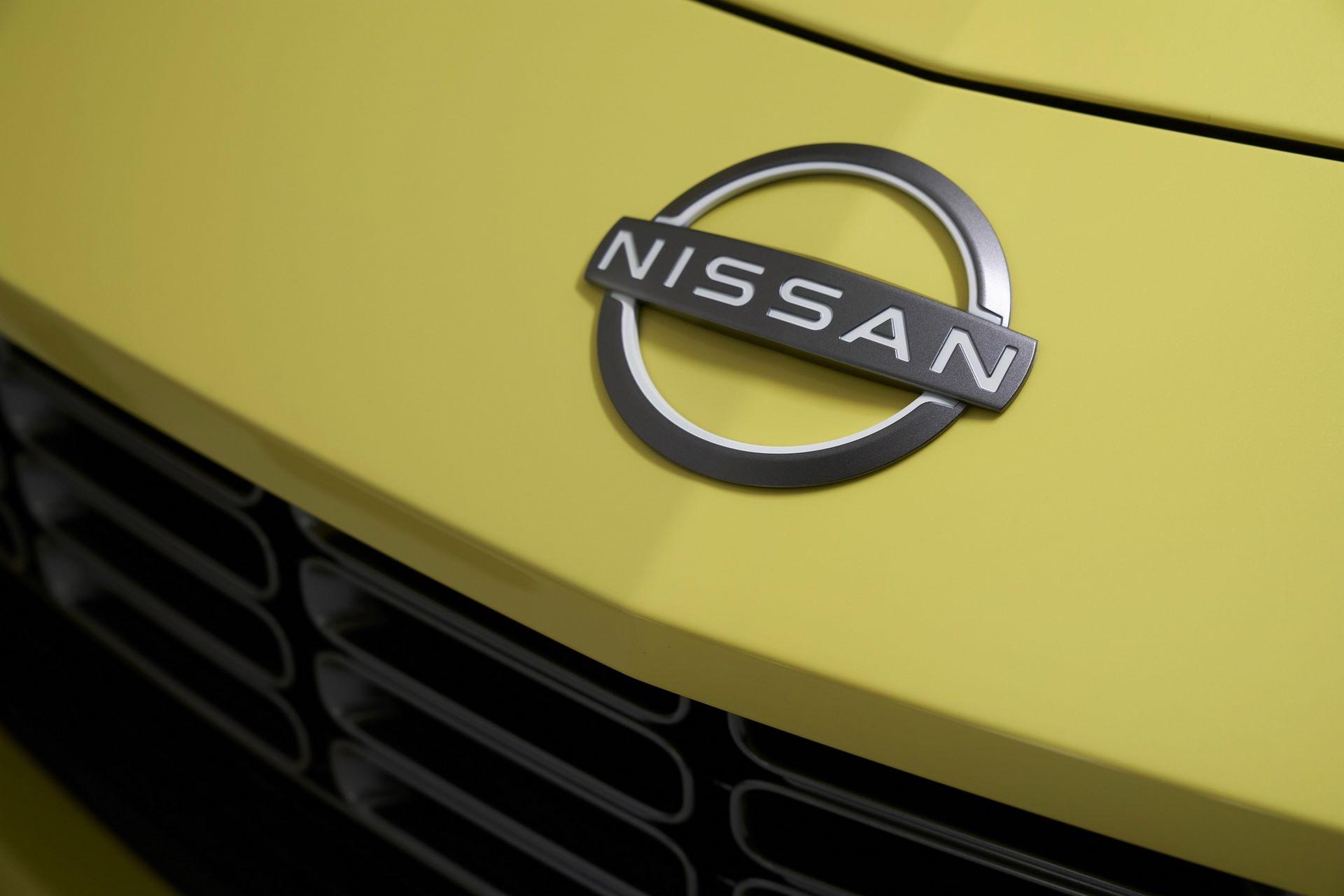 Nissan-Z-74