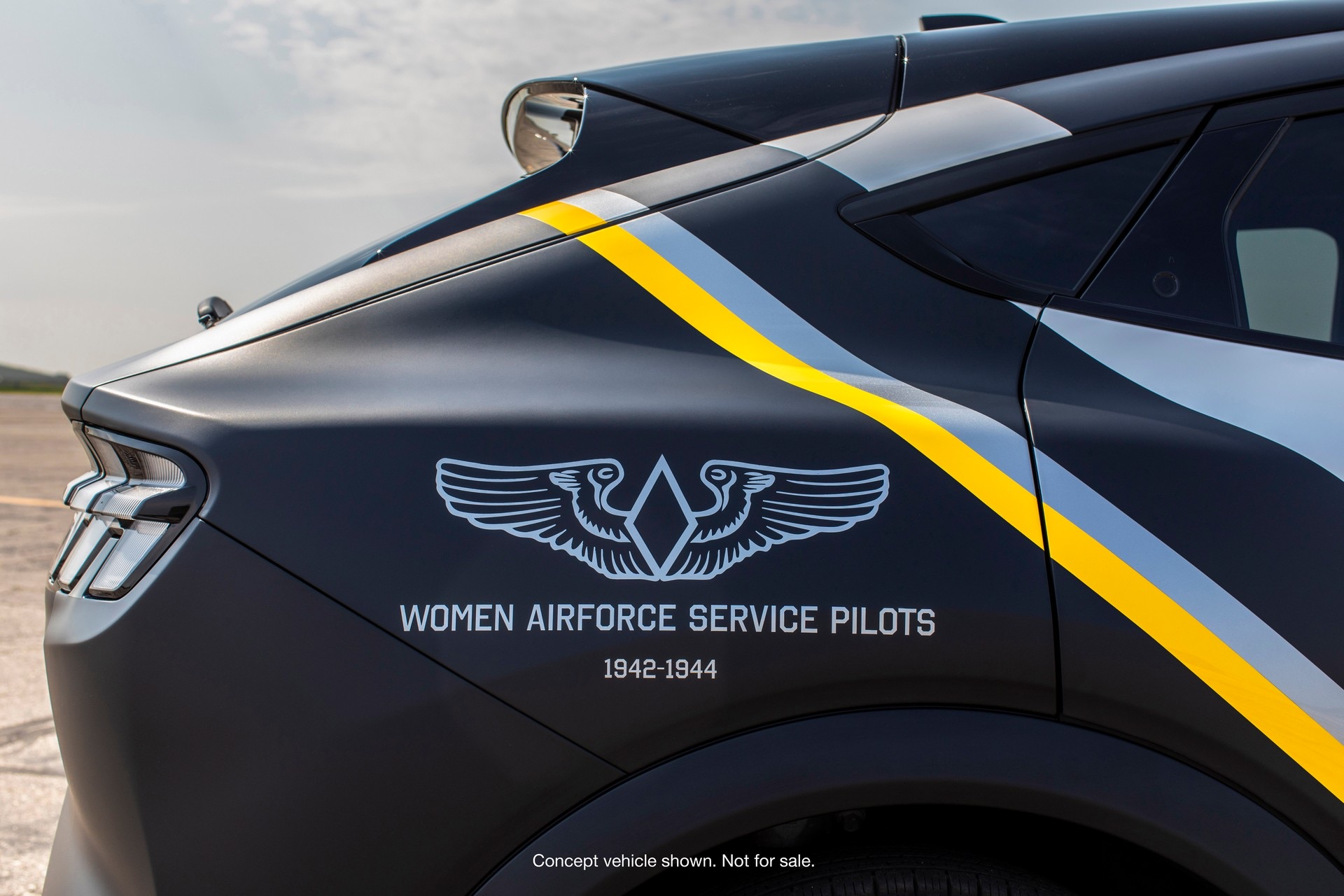 One-Off-Ford-Mustang-Mach-E-WWII-Female-Pilots-2