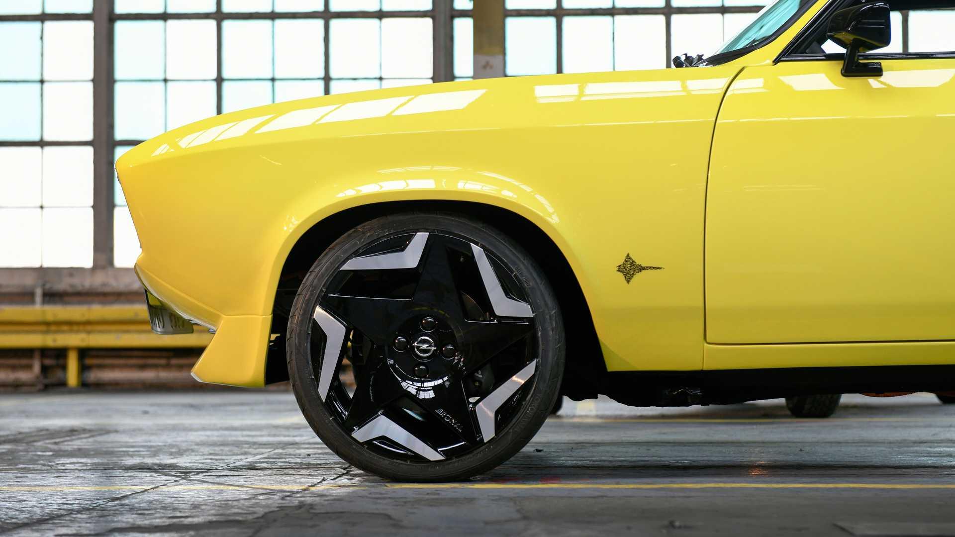Opel-Manta-GSe-ElektroMOD-47