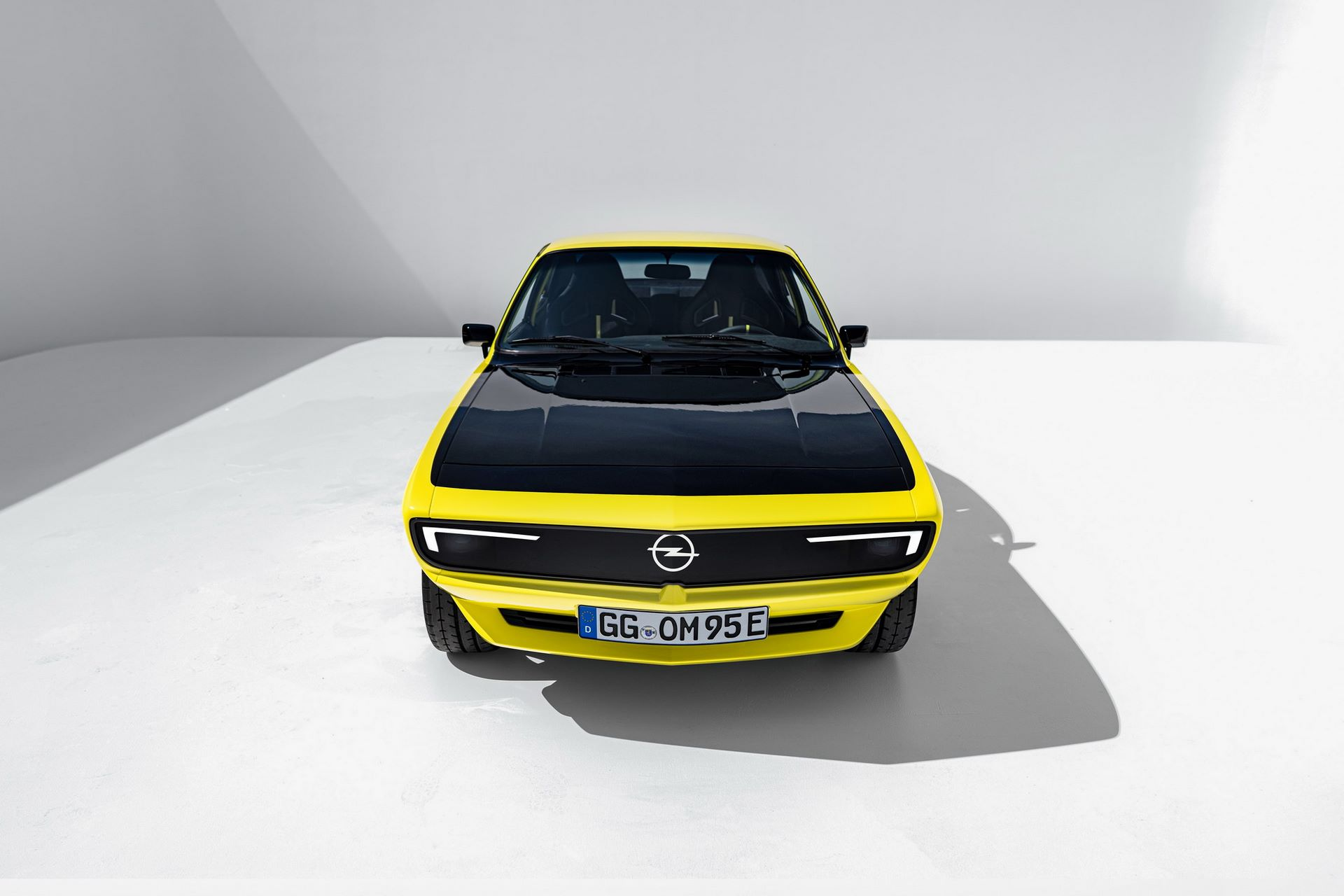 Opel-Manta-GSe-ElektroMOD-5
