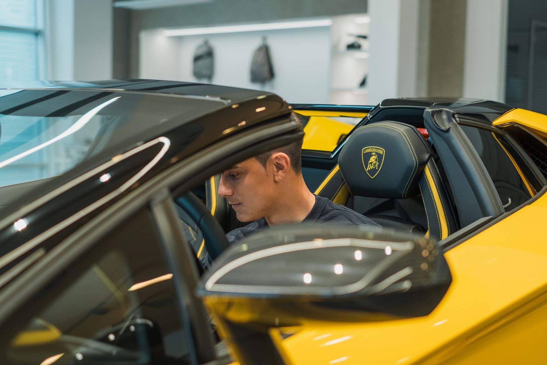 Paulo-Dybala-Lamborghini-Aventador-S-Roadster-3