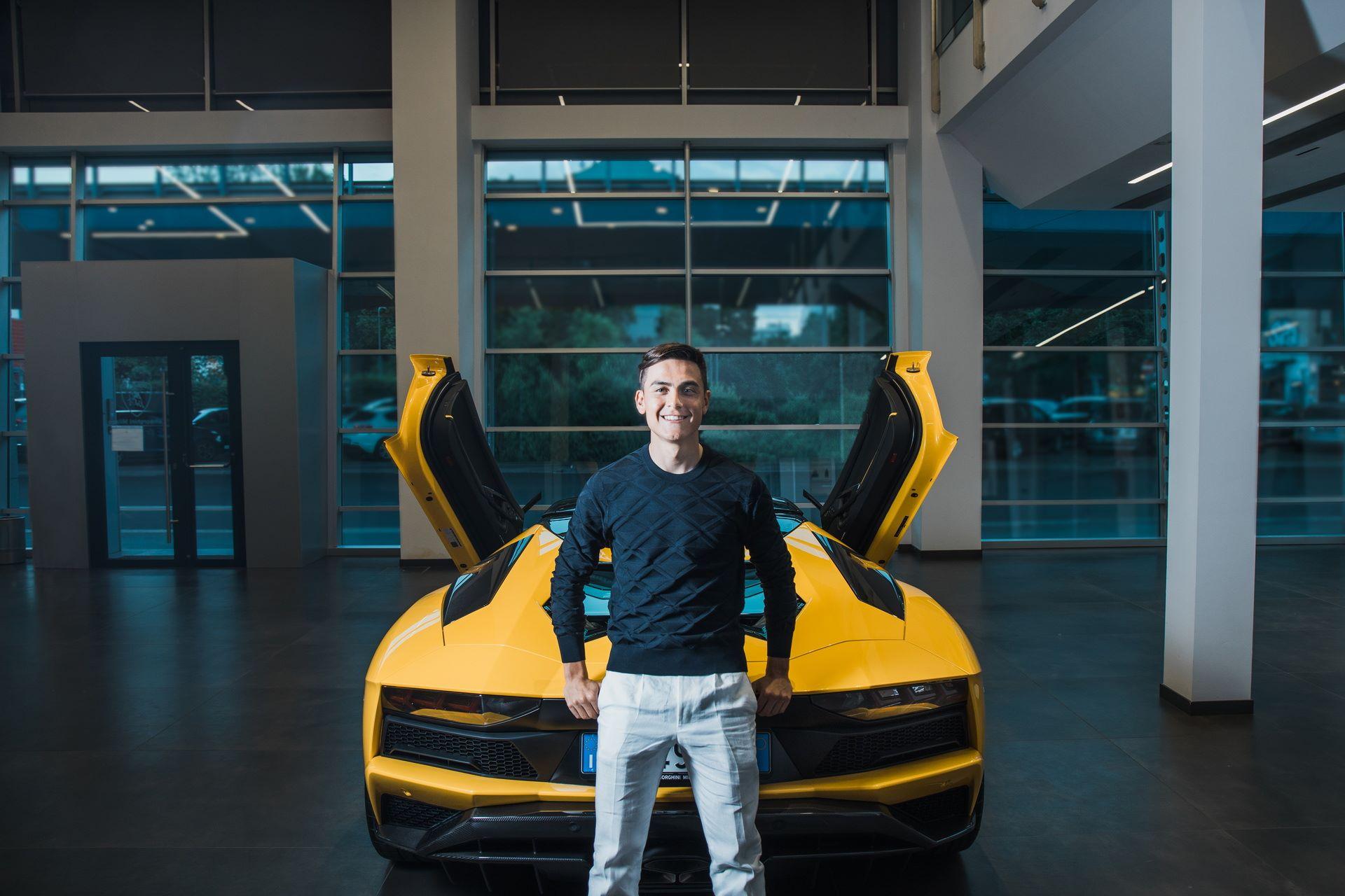 Paulo-Dybala-Lamborghini-Aventador-S-Roadster-6
