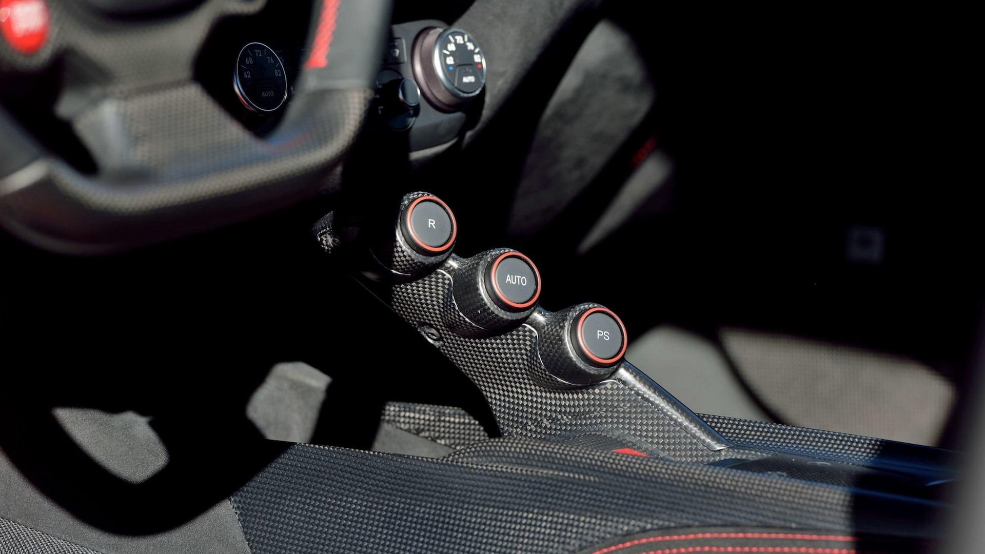 Penske_Ferrari_F12TdF_sale_0009