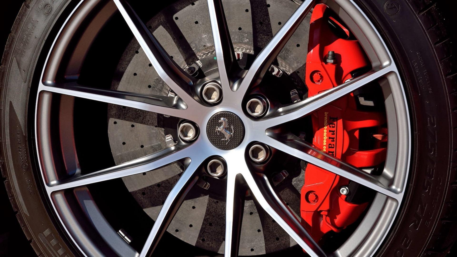 Penske_Ferrari_F12TdF_sale_0014