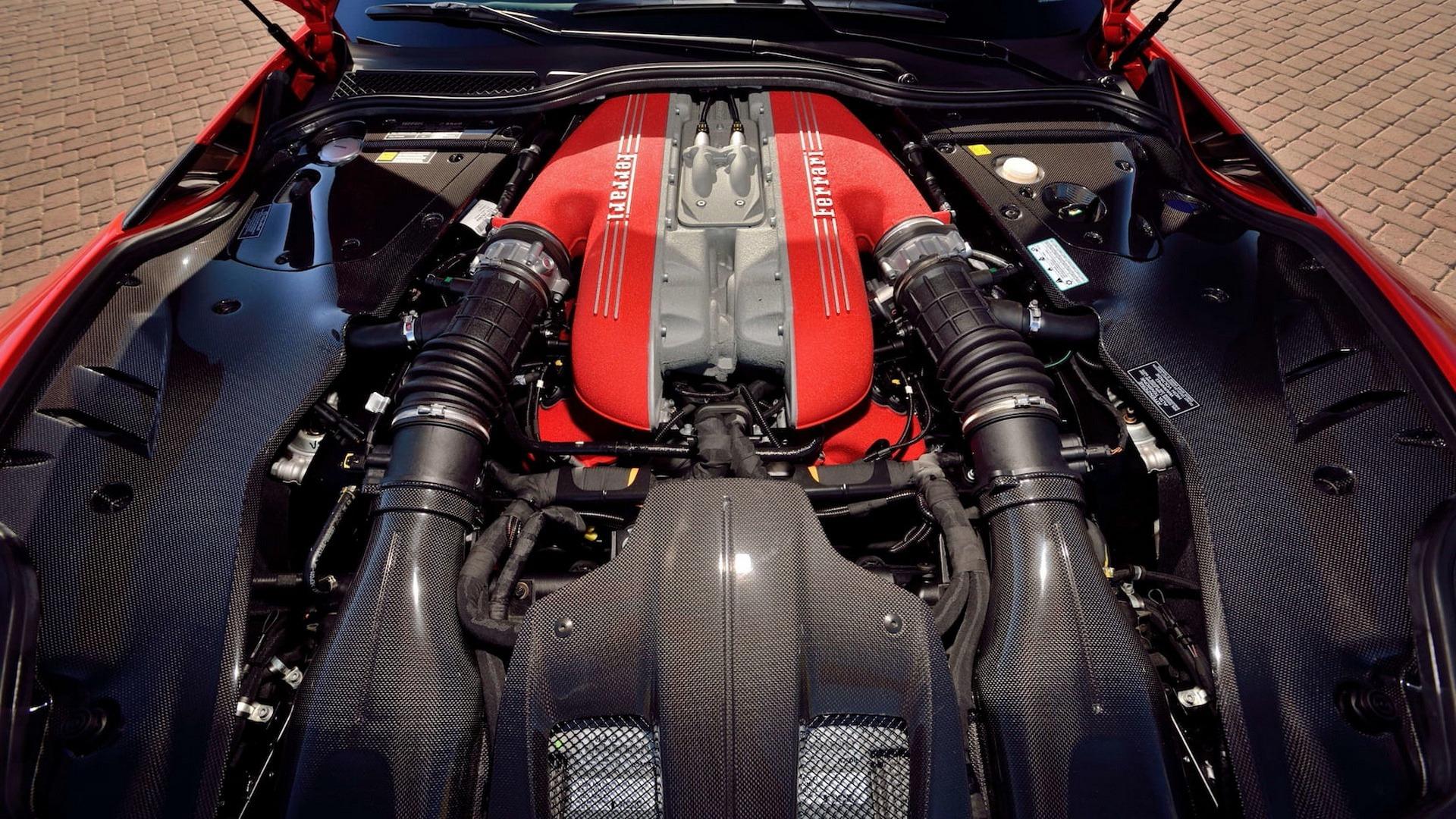 Penske_Ferrari_F12TdF_sale_0015
