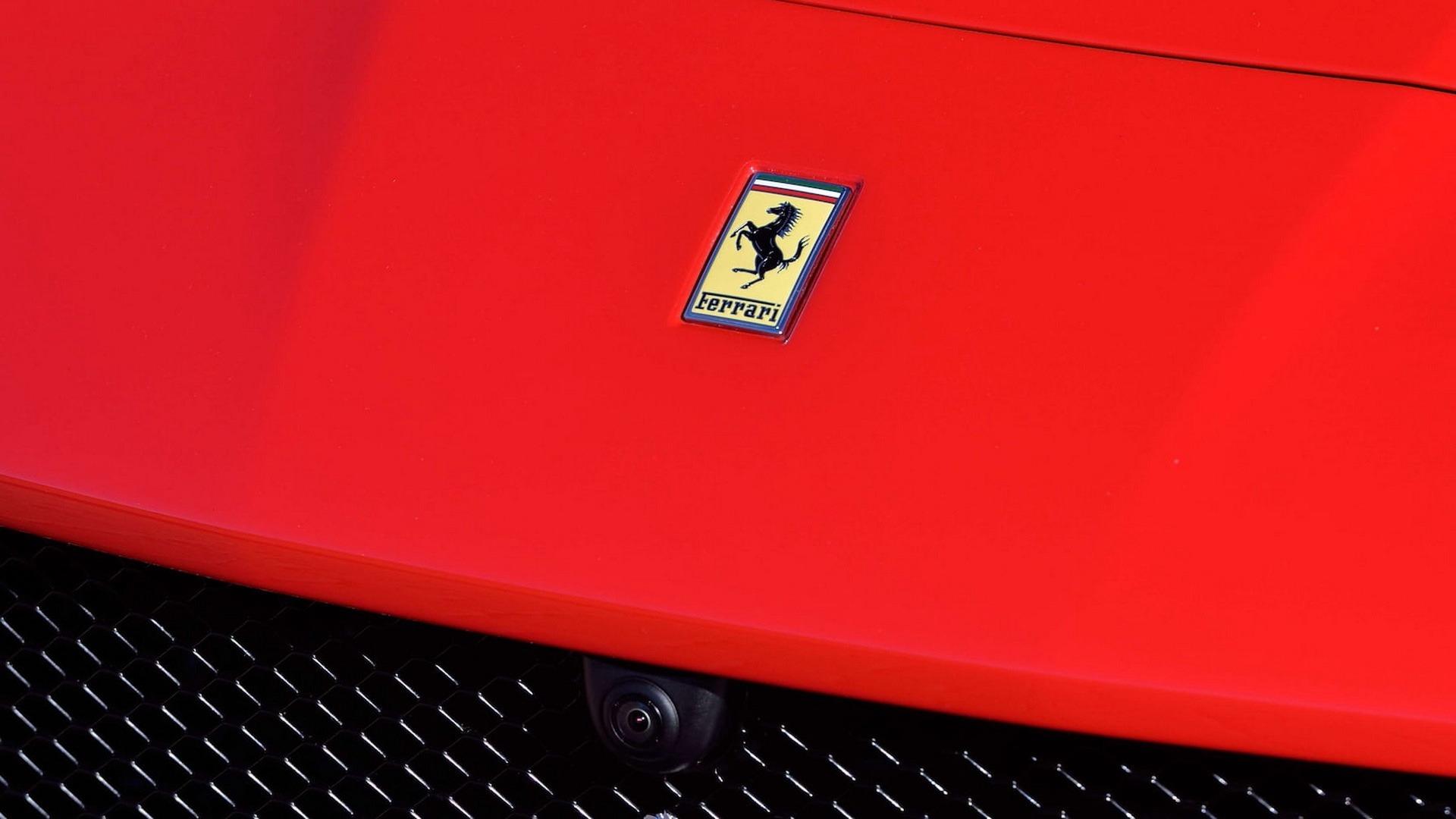 Penske_Ferrari_F12TdF_sale_0022