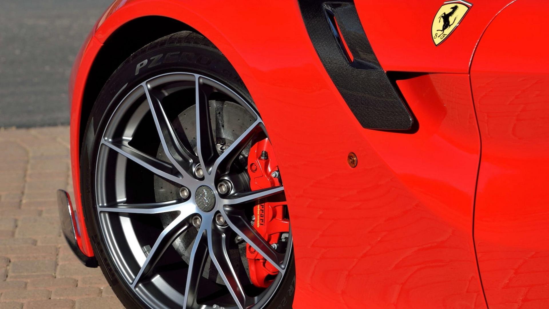 Penske_Ferrari_F12TdF_sale_0026