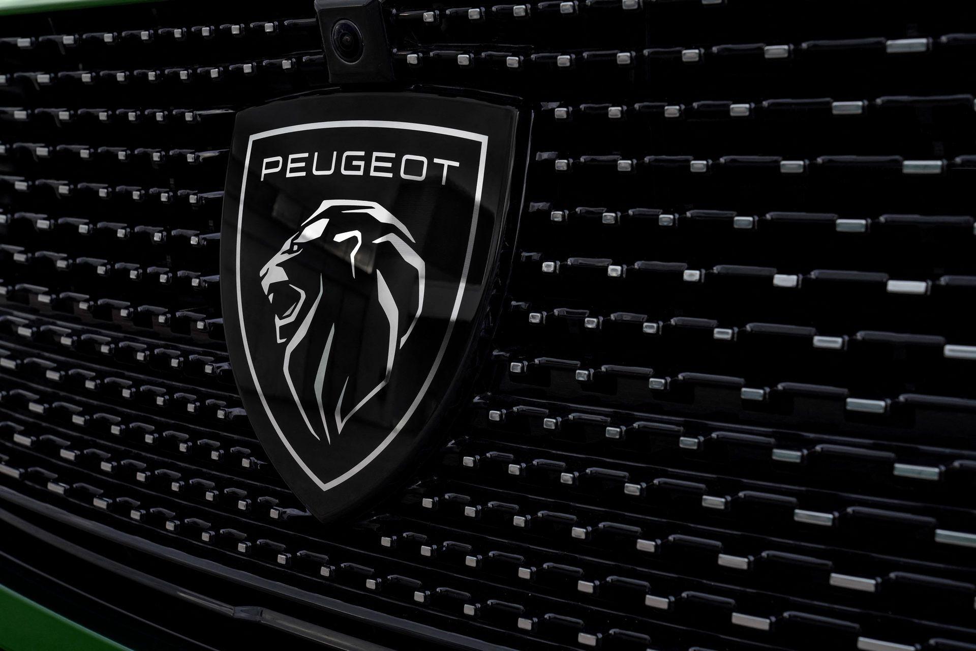 Peugeot-308-2021-57