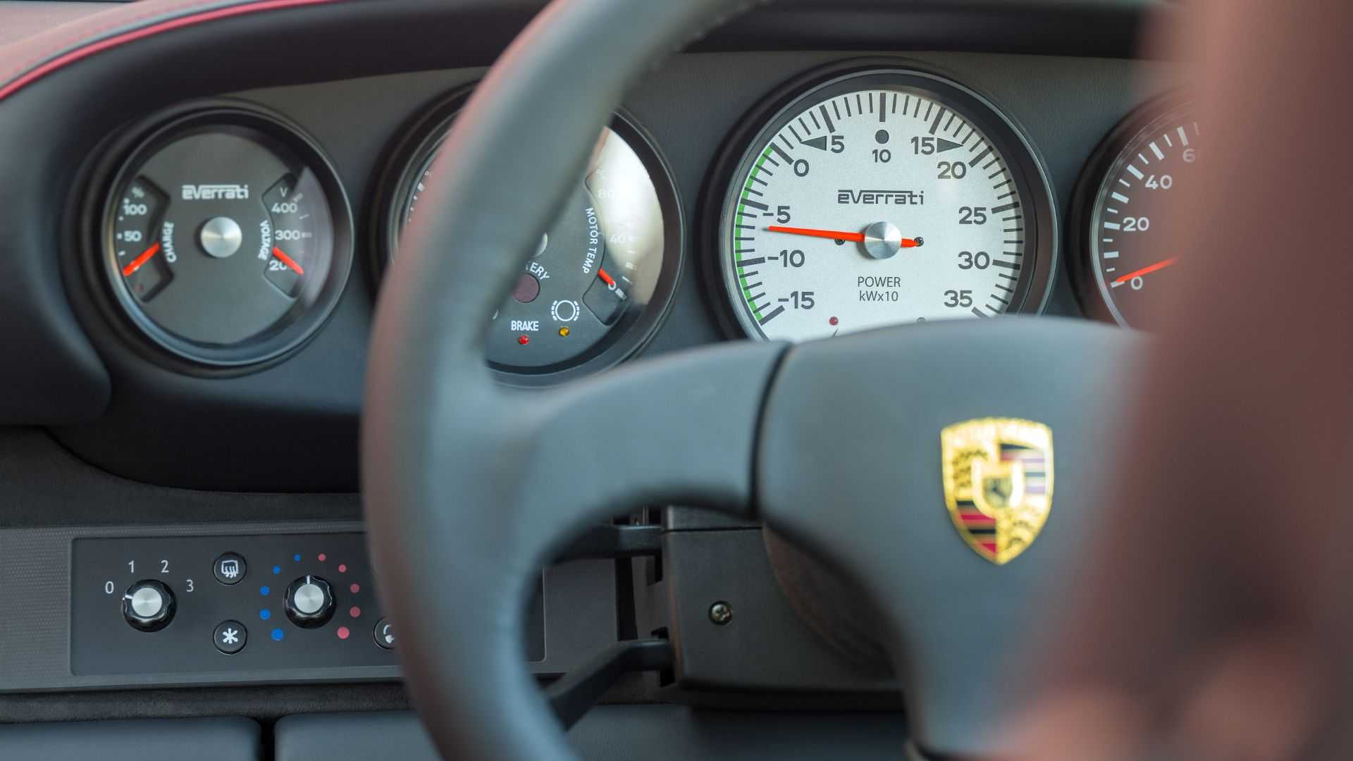 Porsche-911-964-EV-Restomod-10