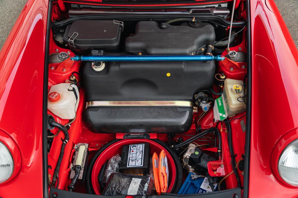 Porsche-911-964-RS-N-GT-Clubsport-13