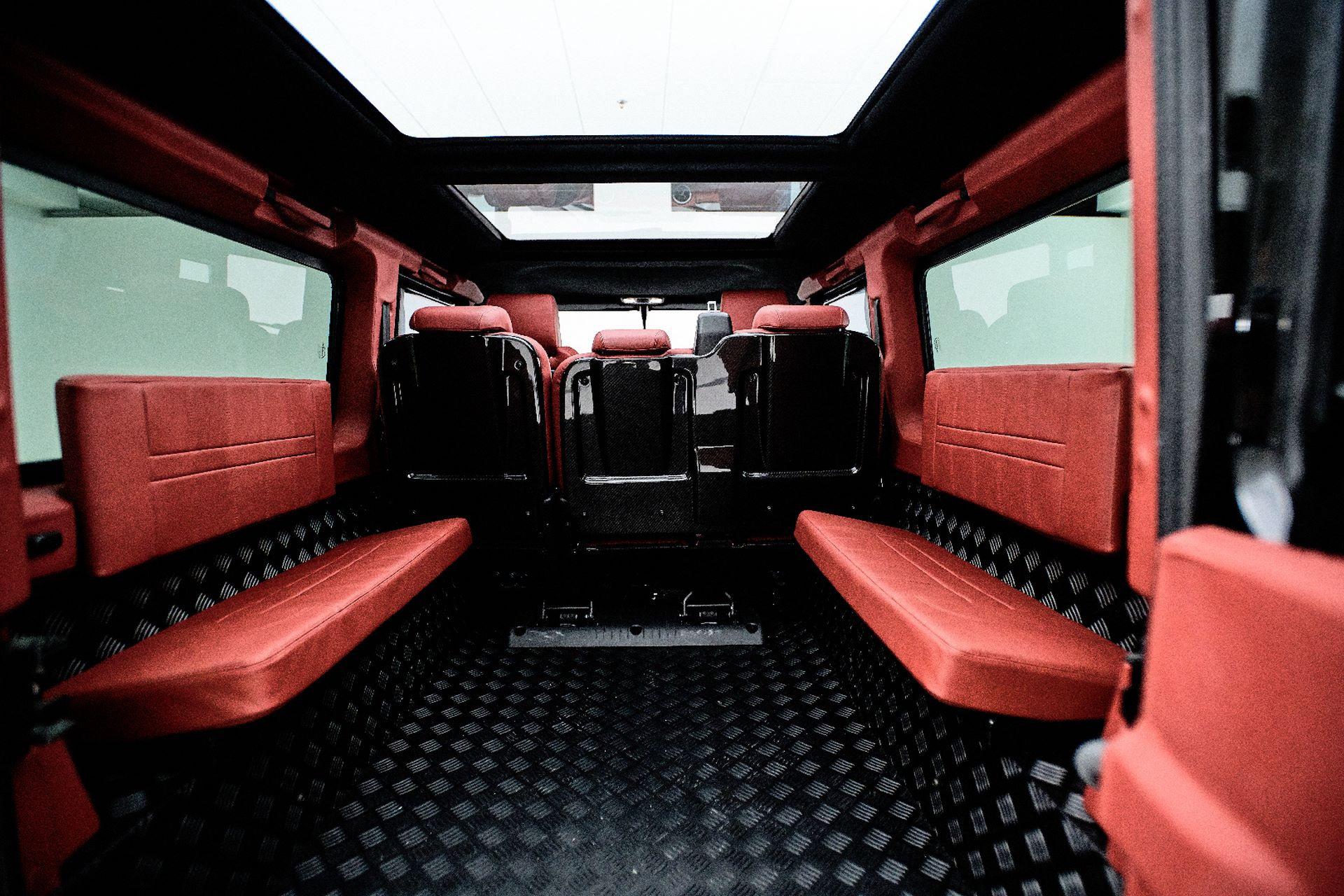 Porsche-911-964-Turbo-and-Land-Rover-Defender-by-Ares-Design-19