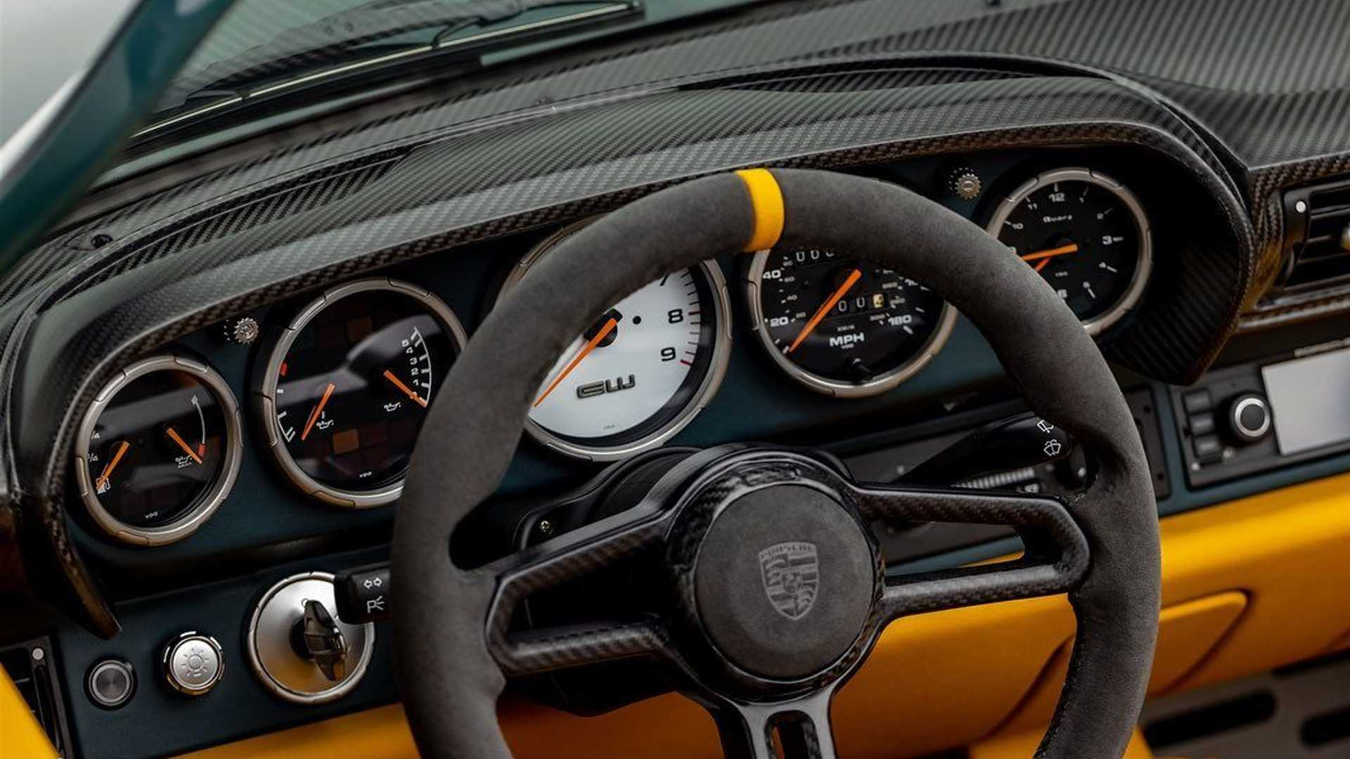Porsche-911-993-Speedster-Remastered-by-Gunther-Werks-6
